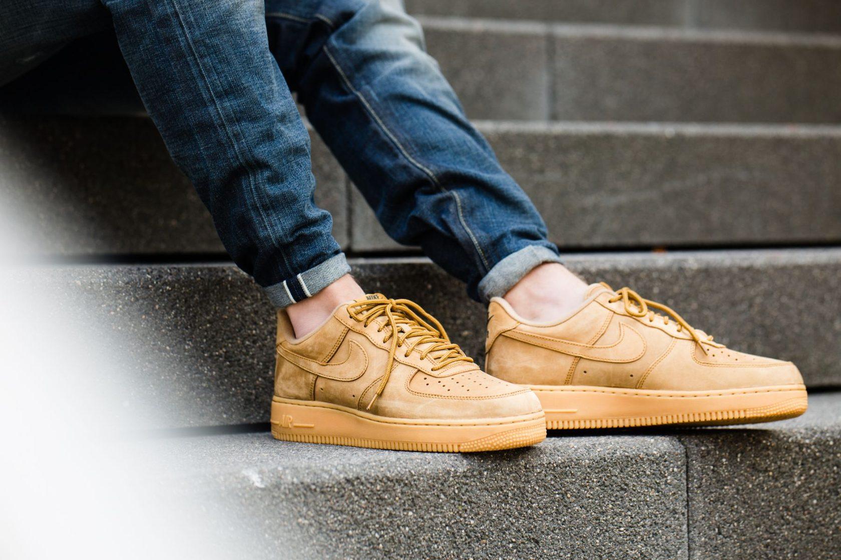 dce009372 5 вопросов и 5 ответов про чистку кроссовок - Статьи блога интернет  магазина Sneakerhead