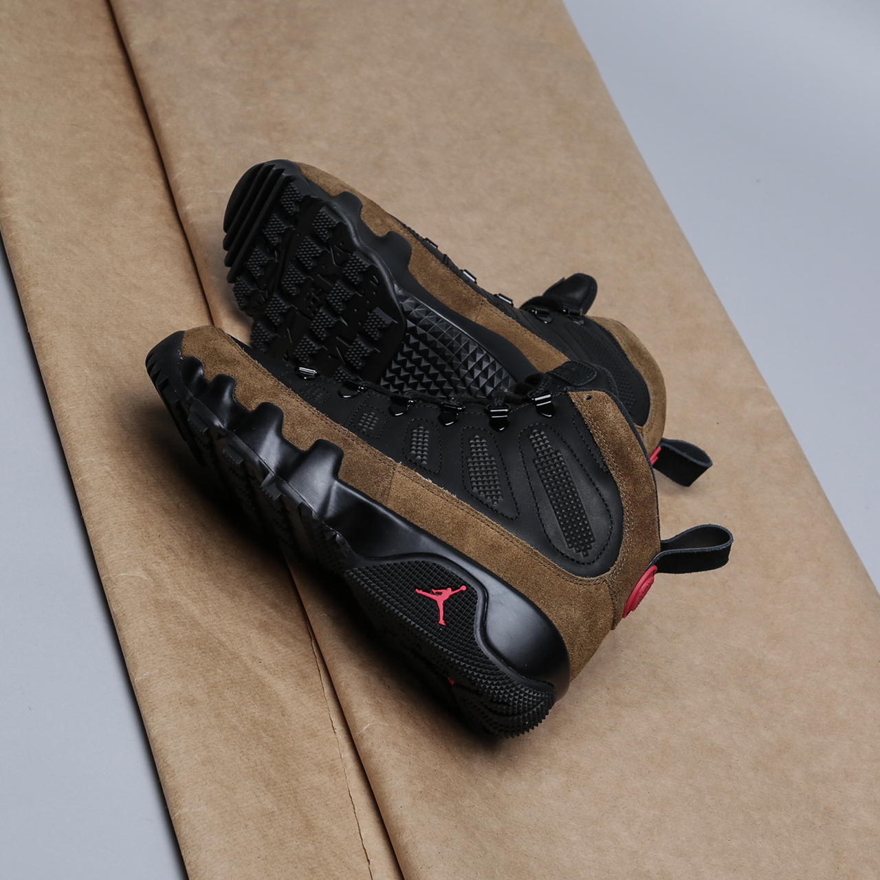 Кроссовки Jordan IX Retro Boot NRG
