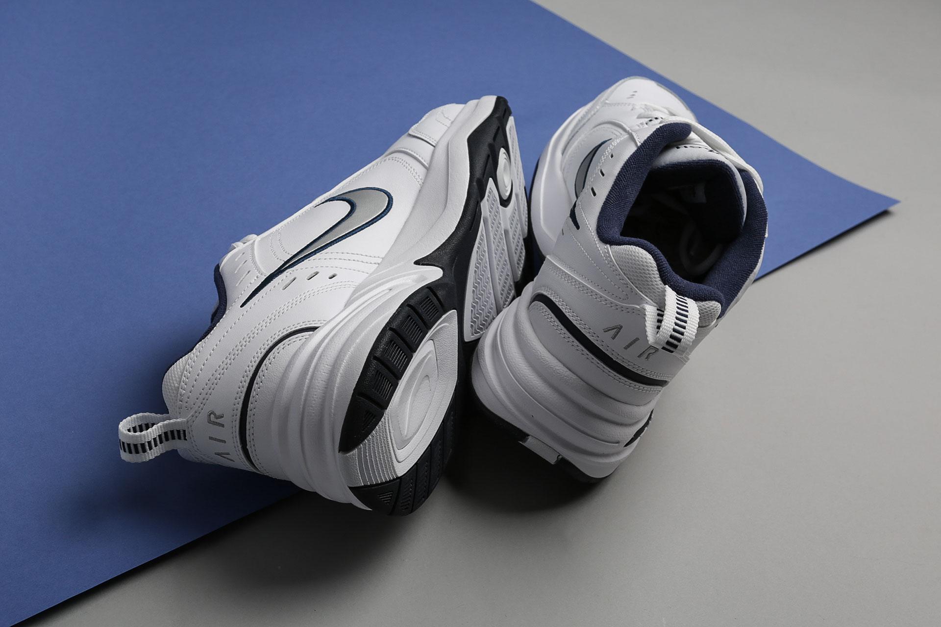 90ea0671 ... Купить мужские белые кроссовки Nike Air Monarch IV - фото 4 картинки ...