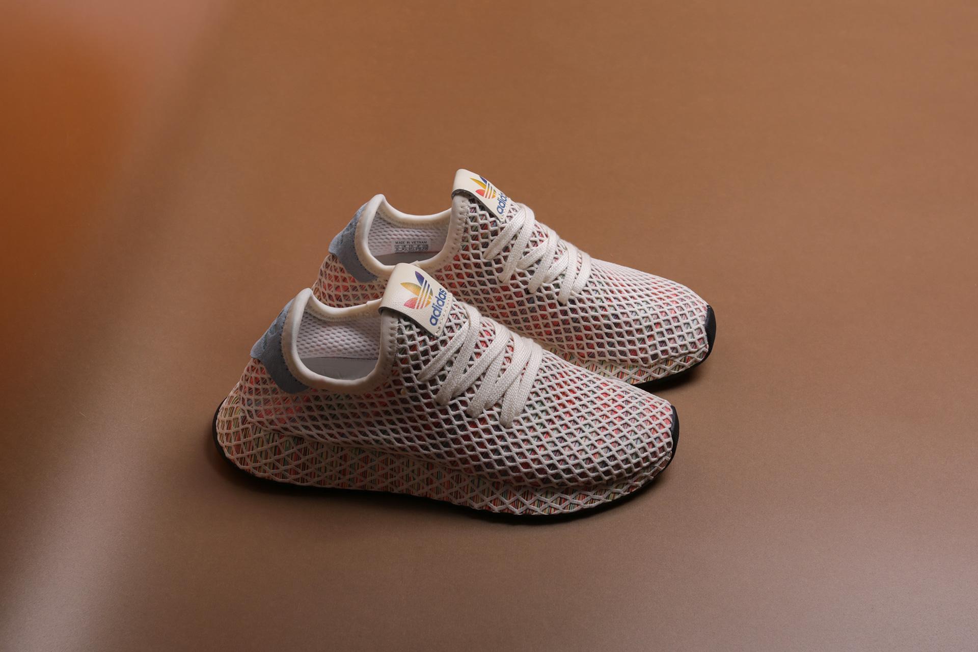 86d8b430b208f6 Купить бежевые кроссовки Deerupt Pride от adidas Originals (CM8474 ...