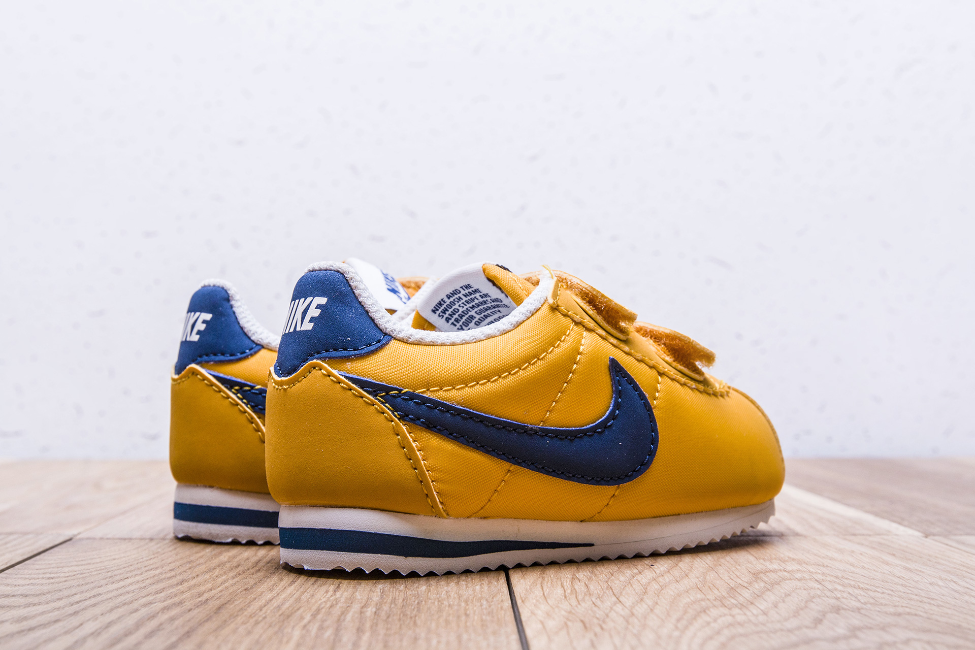 8159f60c ... Купить детские желтые кроссовки Nike Cortez Nylon TDV - фото 4 картинки  ...