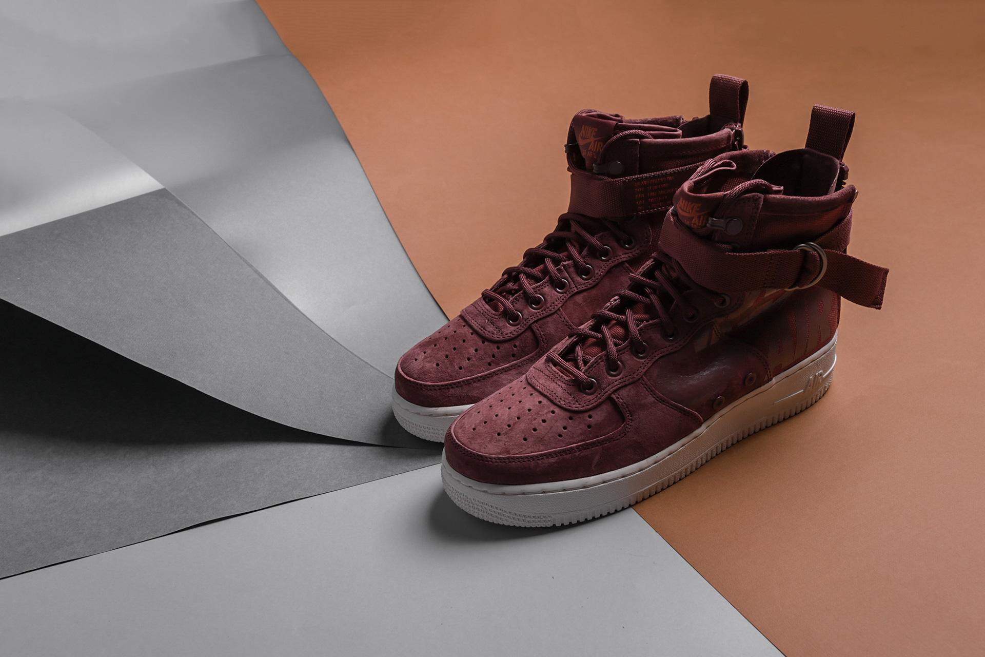 8d7a36d90ec2 ... Купить мужские коричневые кроссовки Nike SF Air Force 1 Mid - фото 5  картинки
