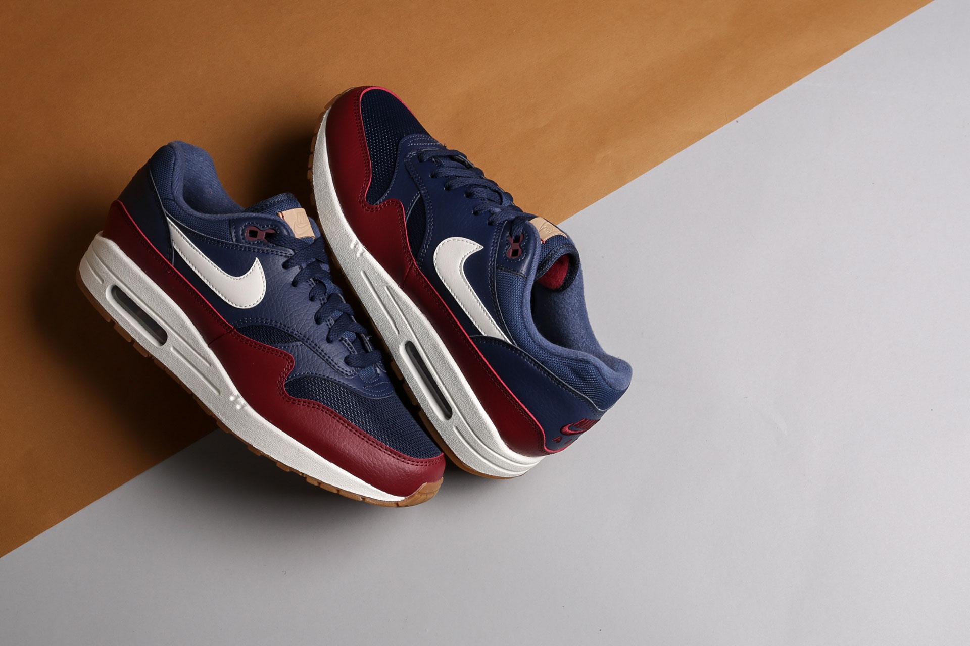 9c40f900 ... Купить мужские синие кроссовки Nike Air Max 1 - фото 3 картинки ...