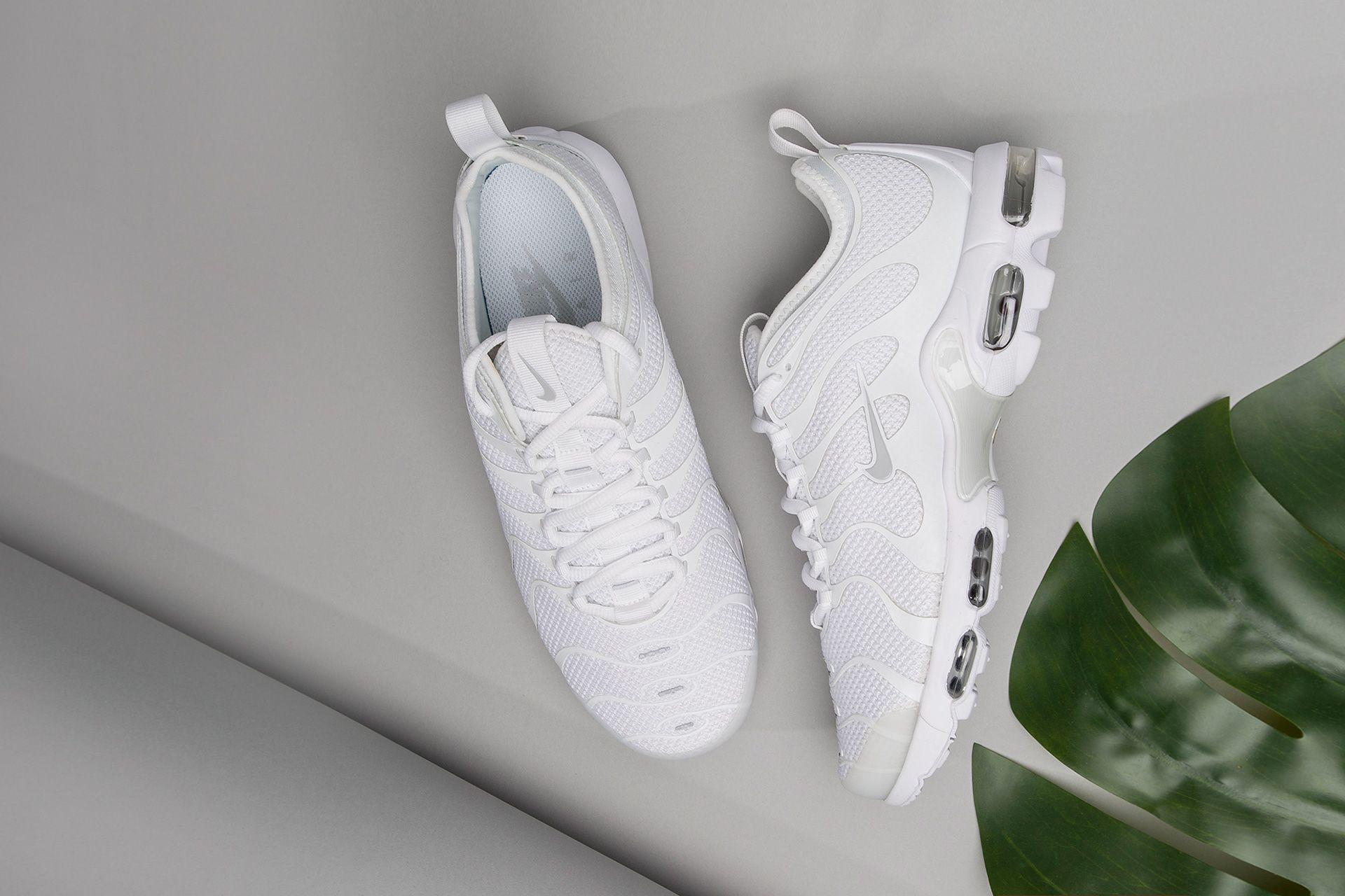 6b683ccd Купить белые мужские кроссовки Air Max Plus TN Ultra от Nike (898015 ...