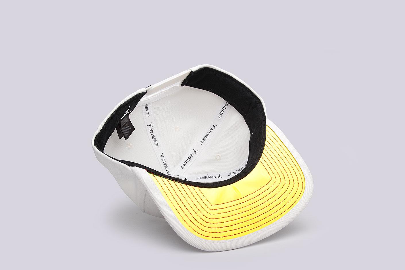 b49b0ec10126e3 Белая кепка AJ 13 Cap от Jordan (835595-007) по цене 2590 рублей