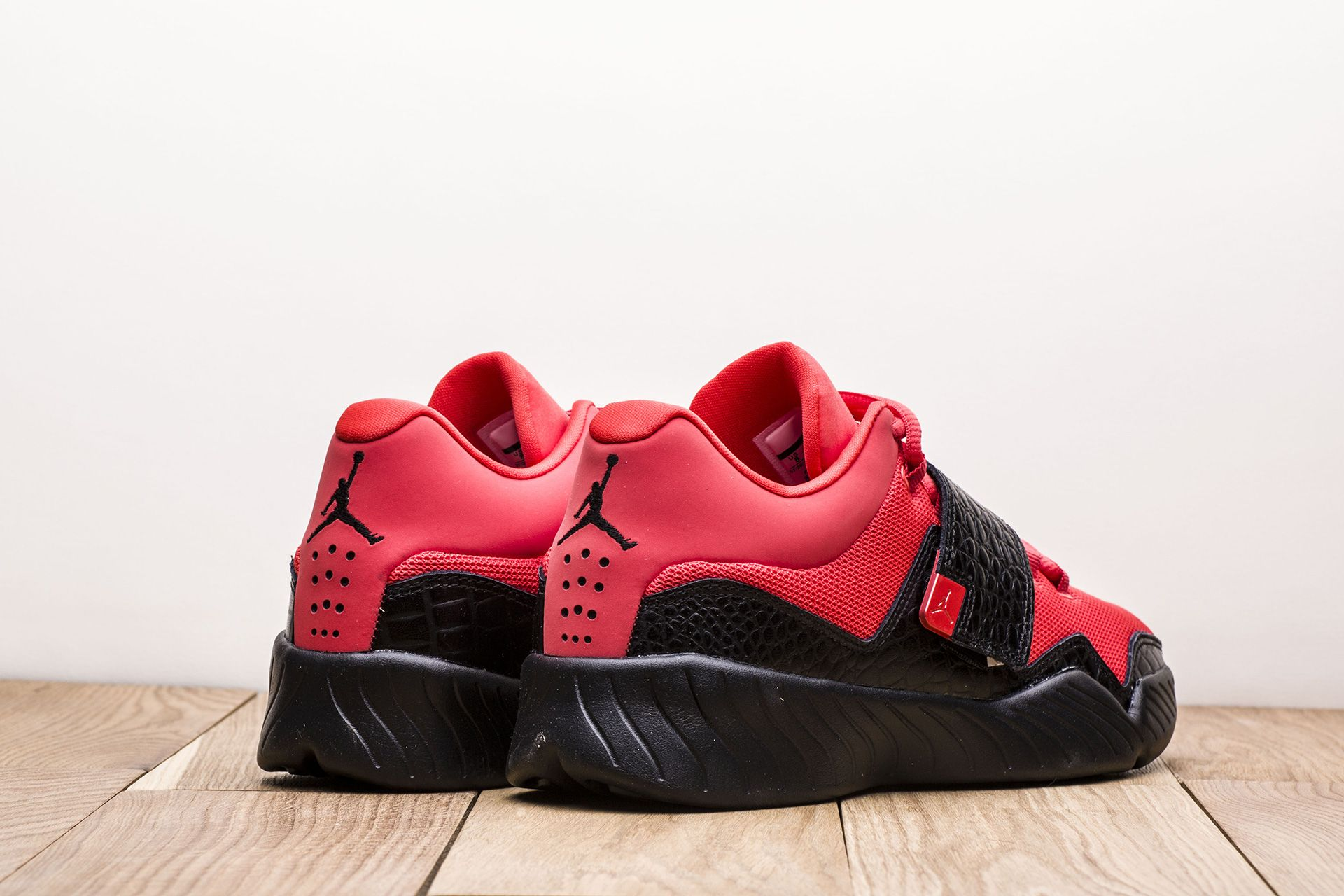 online retailer c7cbe f74ca ... Купить мужские красные кроссовки Jordan J23 - фото 2 картинки ...