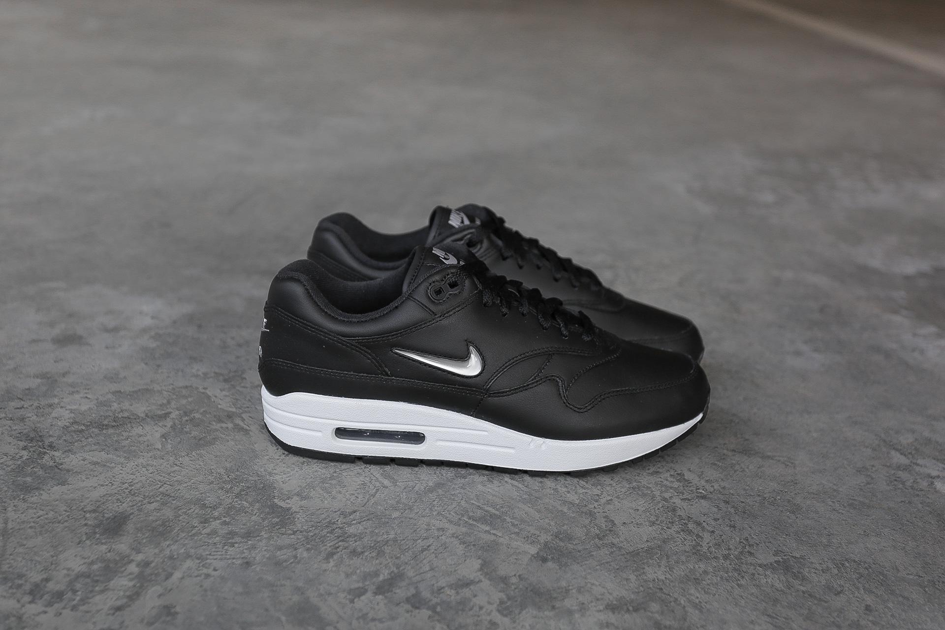 c685f557 Купить черные мужские кроссовки Air Max 1 Premium SC от Nike (918354 ...