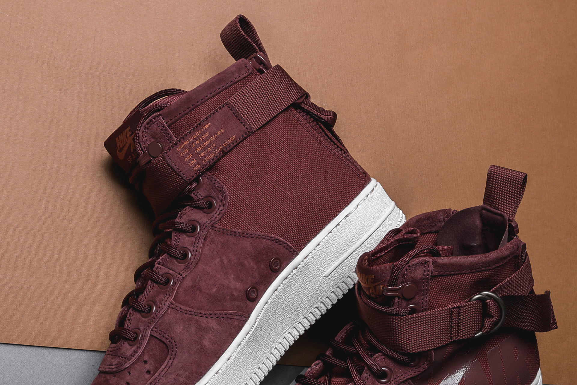 5ff2fc50f643 ... Купить мужские коричневые кроссовки Nike SF Air Force 1 Mid - фото 4  картинки ...
