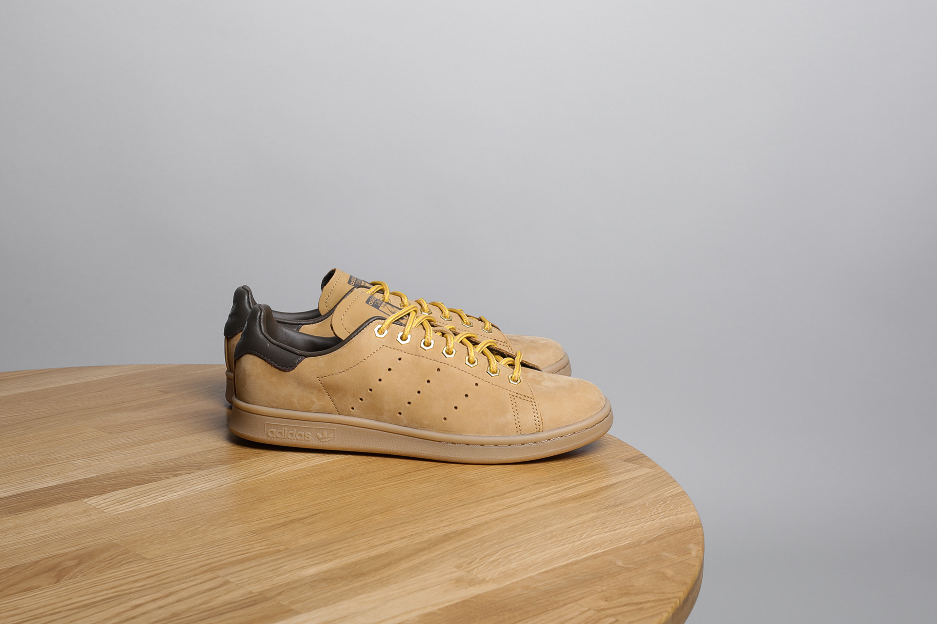 san francisco fc25a 179e1 Купить бежевые мужские кроссовки Stan Smith WP от adidas ...