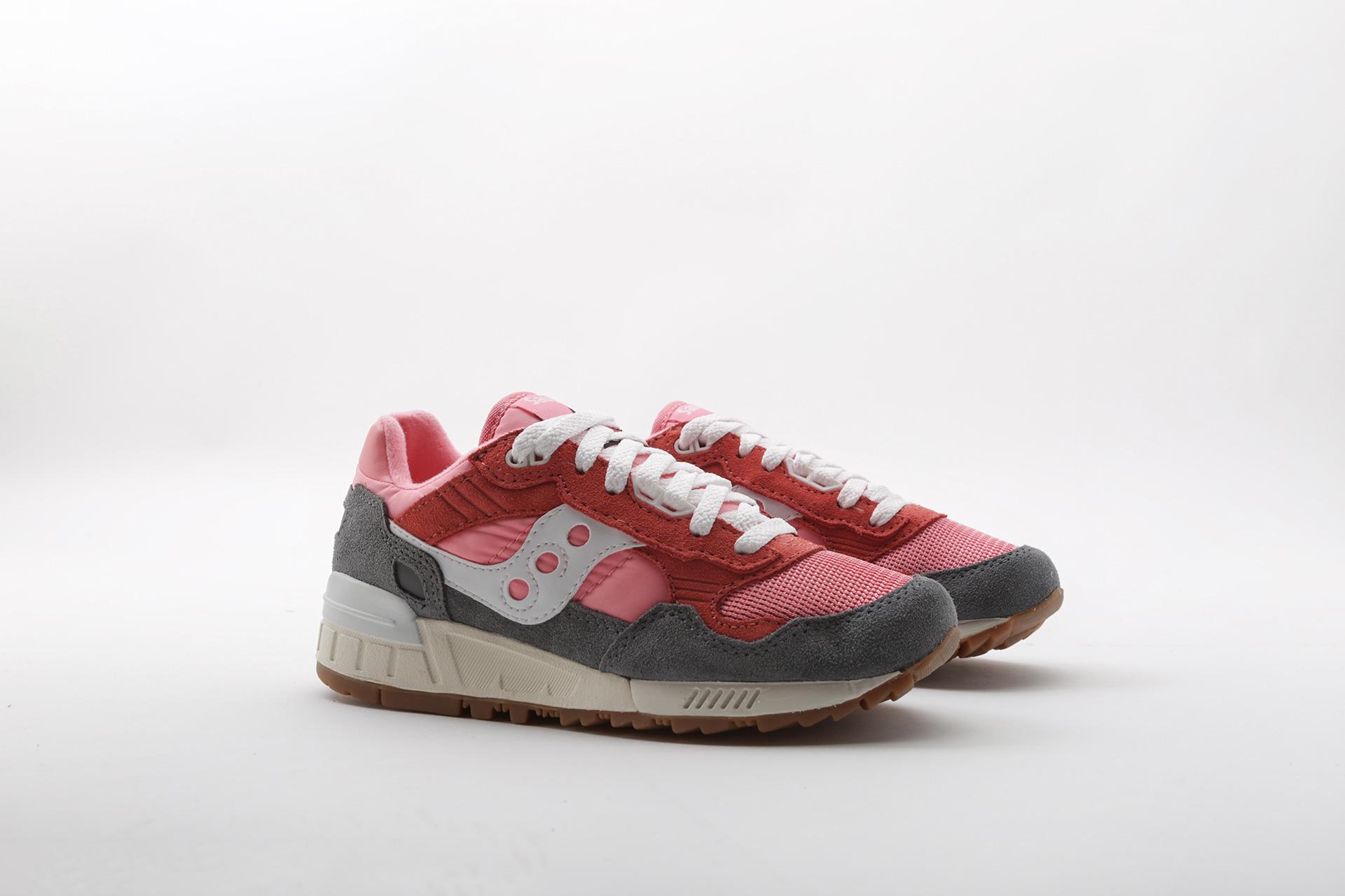a0c9cffee Распродажа обуви, одежды и аксессуаров по низким ценам в интернет магазине  Sneakerhead
