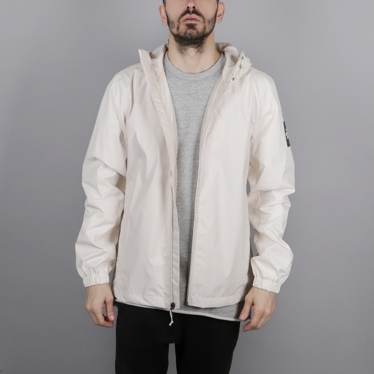 Куртка The North Face Mountain Q JKT