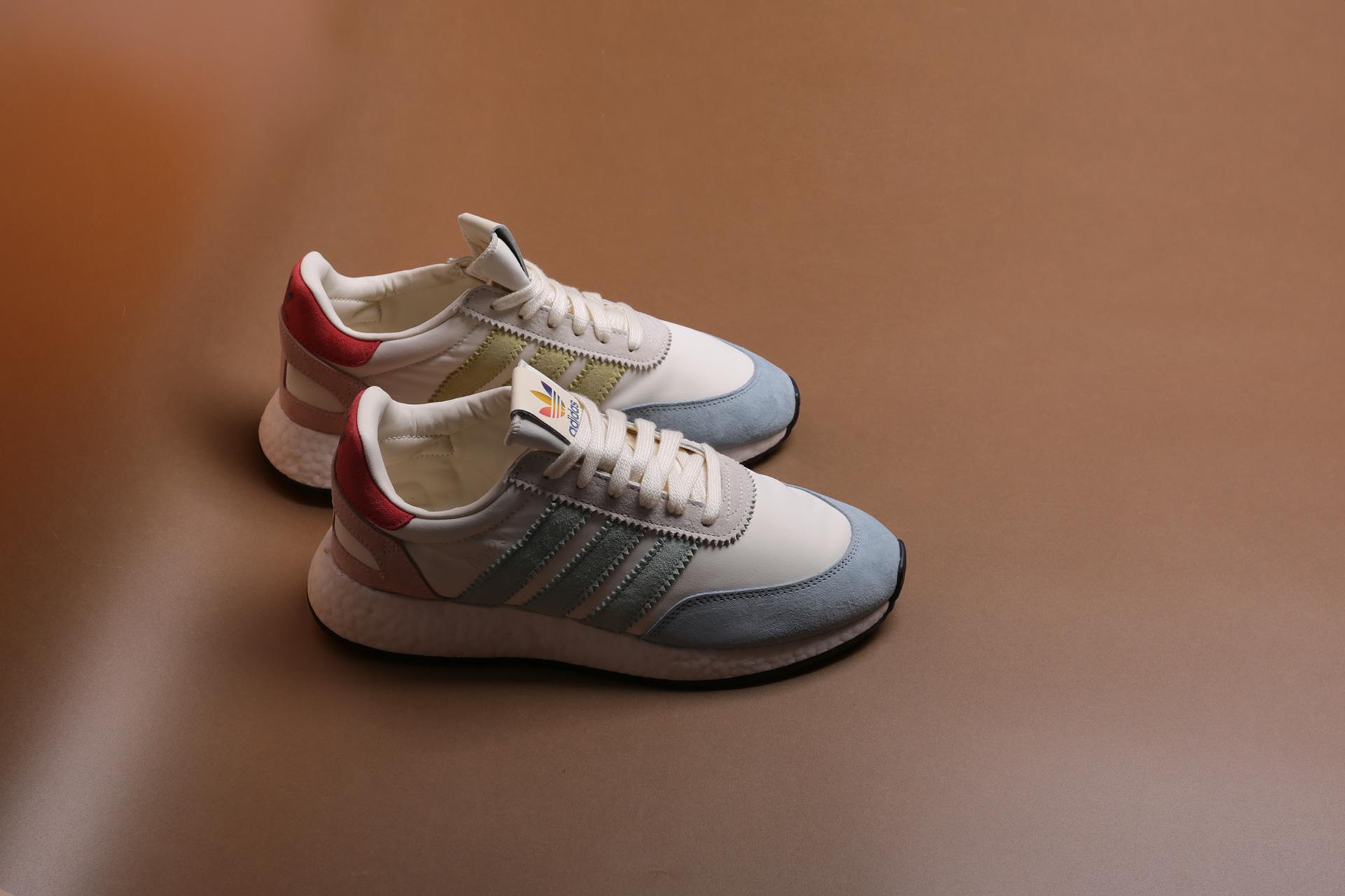 Купить бежевые мужские кроссовки I-5923 Pride от adidas Originals ... 06a5c3603e0
