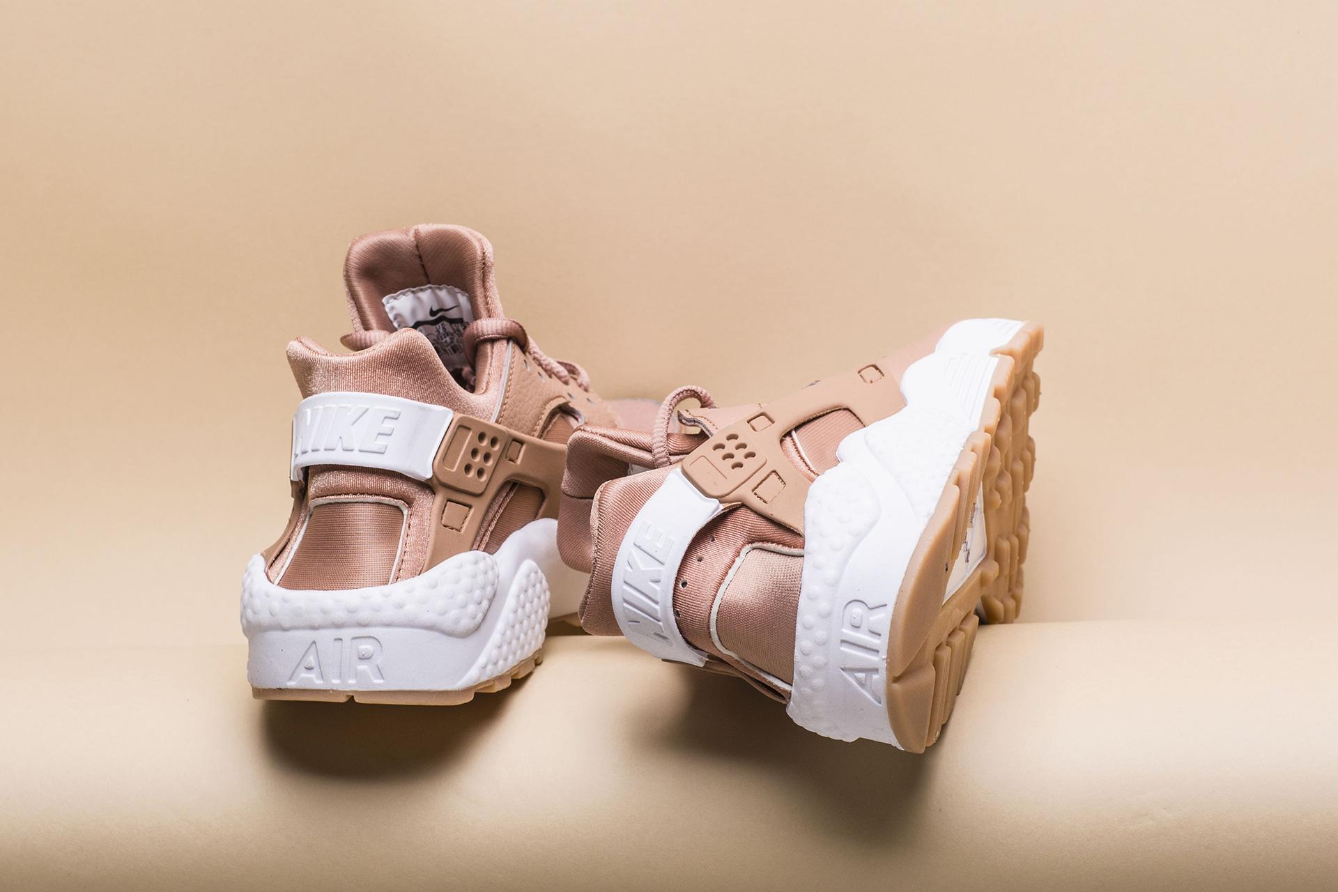 68423619 ... Купить женские бежевыые кроссовки Nike WMNS Air Huarache Run - фото 5  картинки ...