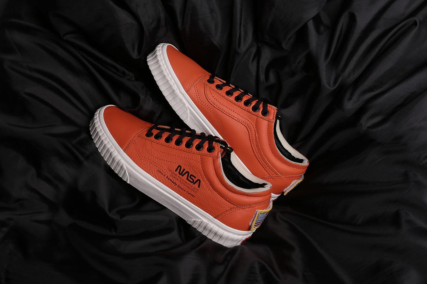 Купить оранжевые мужские кроссовки UA Old Skool Space Voyager от ... c3d5d2ed5da7e