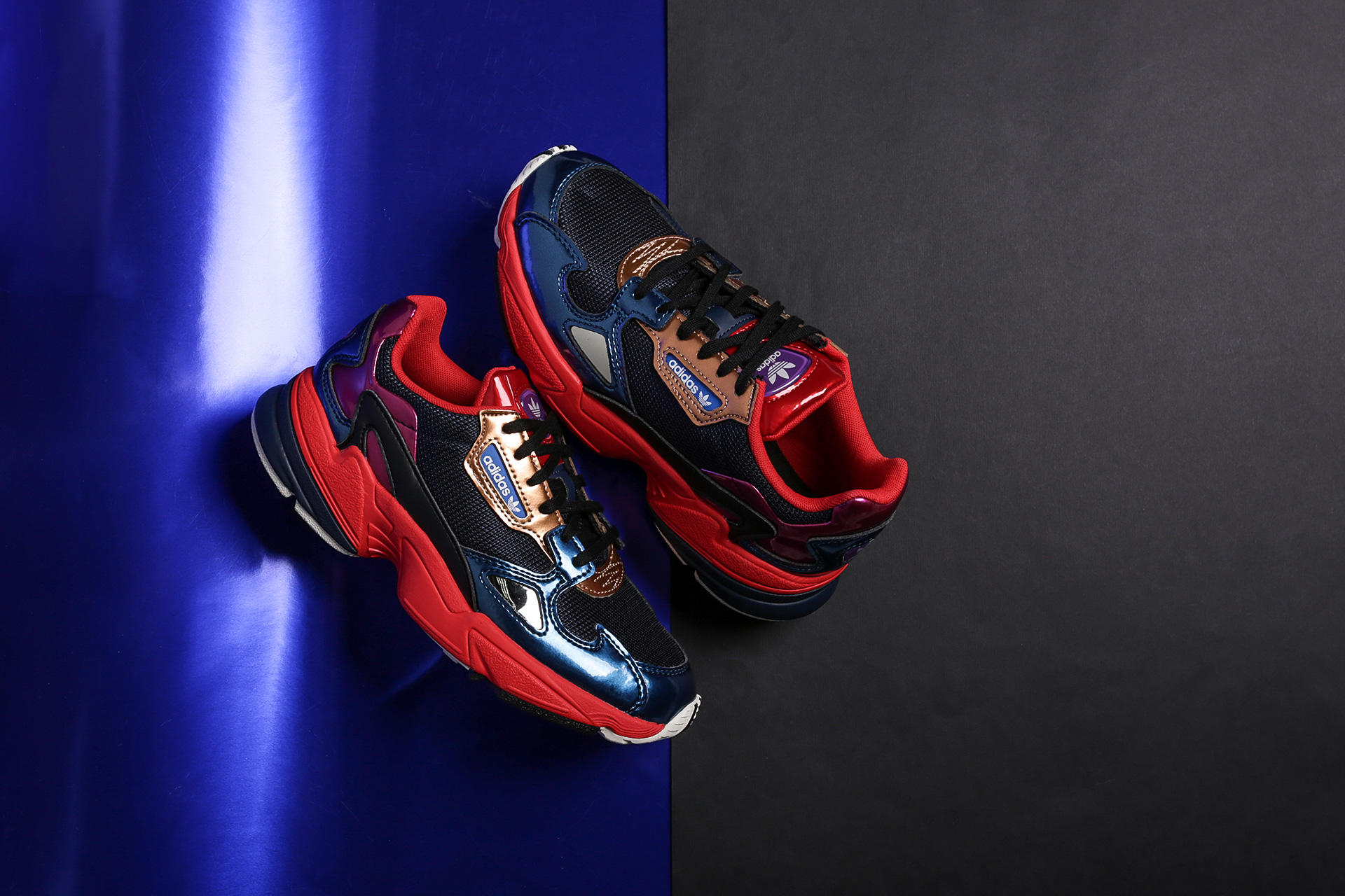 05987425 Купить синие женские кроссовки Falcon W от adidas Originals (CG6632 ...