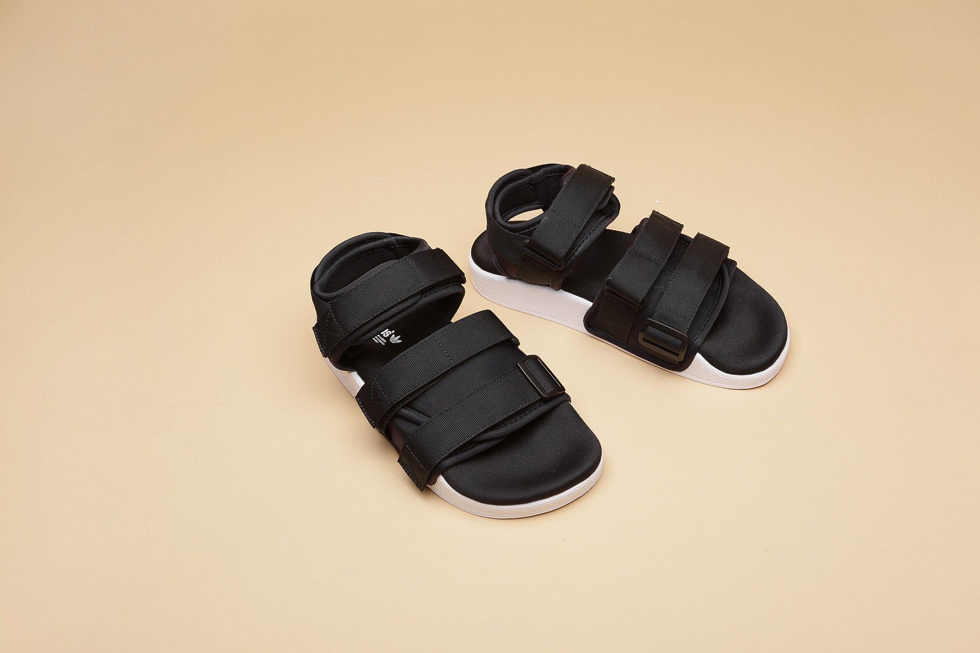 f4870071d Купить черные женские сандали Adilette Sandal W от adidas Originals ...
