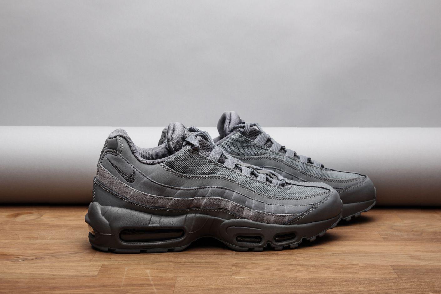 ... Купить мужские серые кроссовки Nike Air Max 95 Essential - фото 2  картинки ... 6a820cfd72