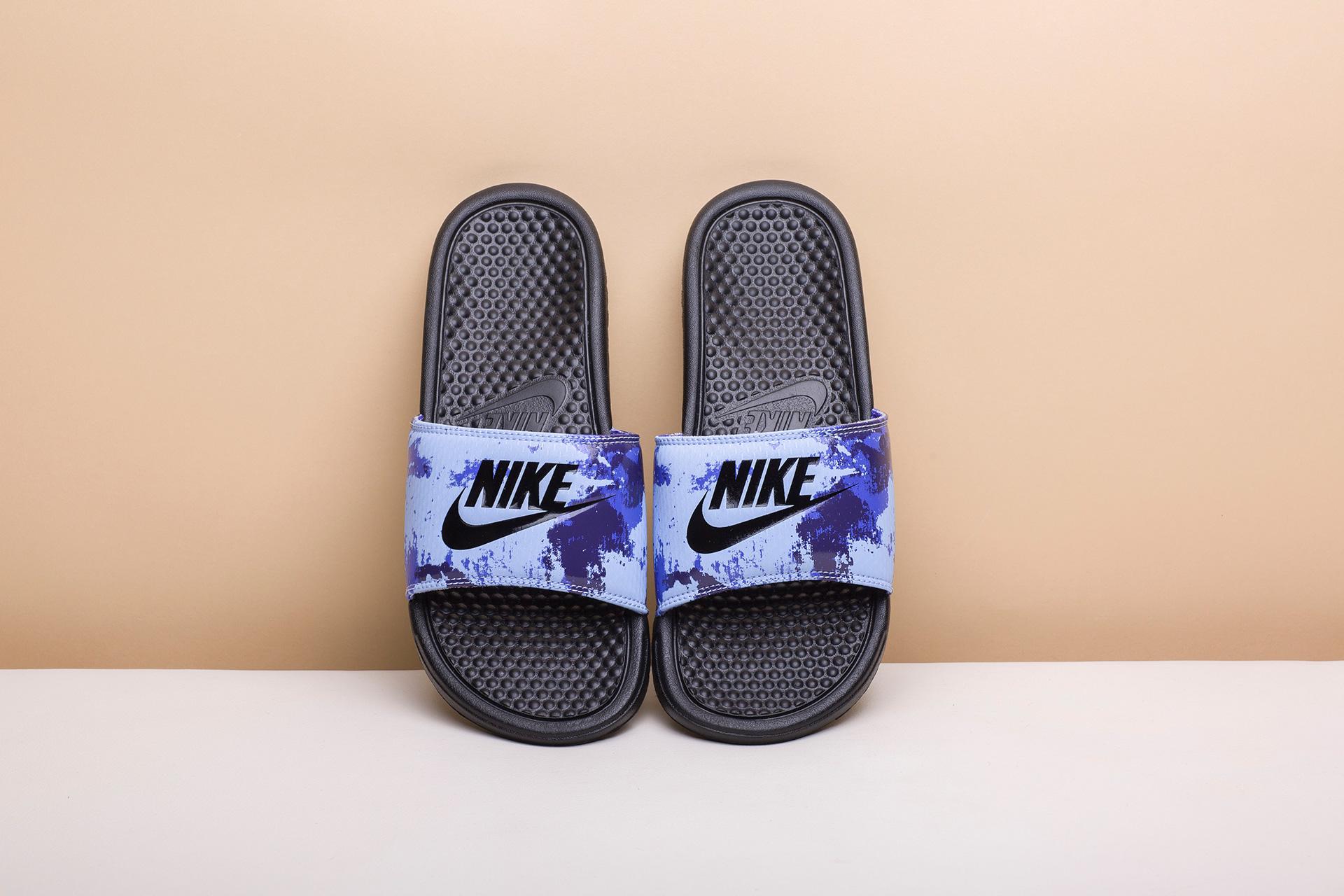 83a2d433 Купить фиолетовый, синие мужские сланцы Benassi JDI Print от Nike ...