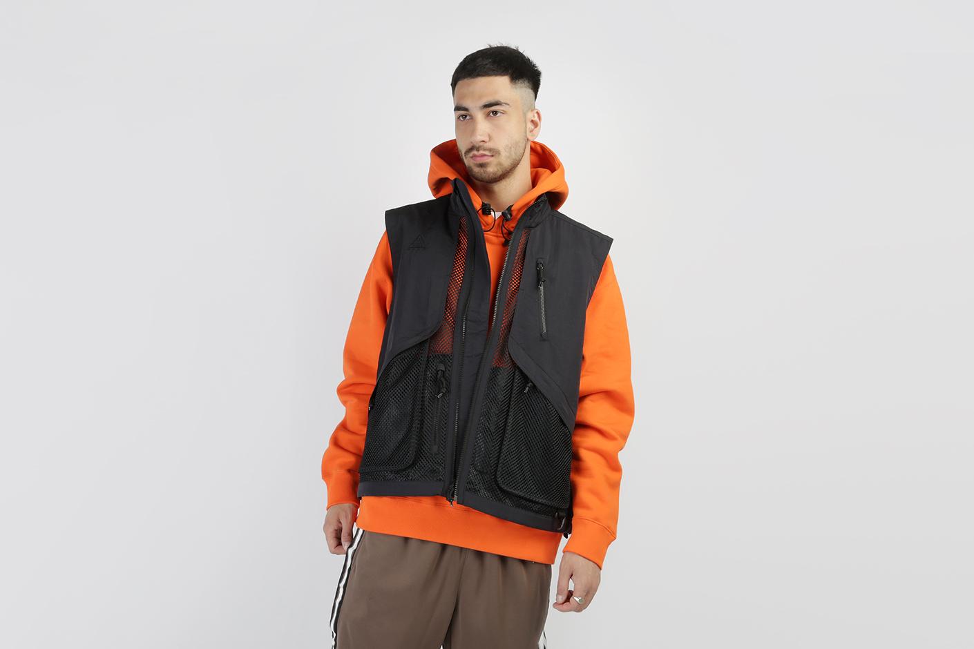 3086da3b Черный мужской жилет ACG Vest от Nike (BQ3619-010) по цене 8190 рублей
