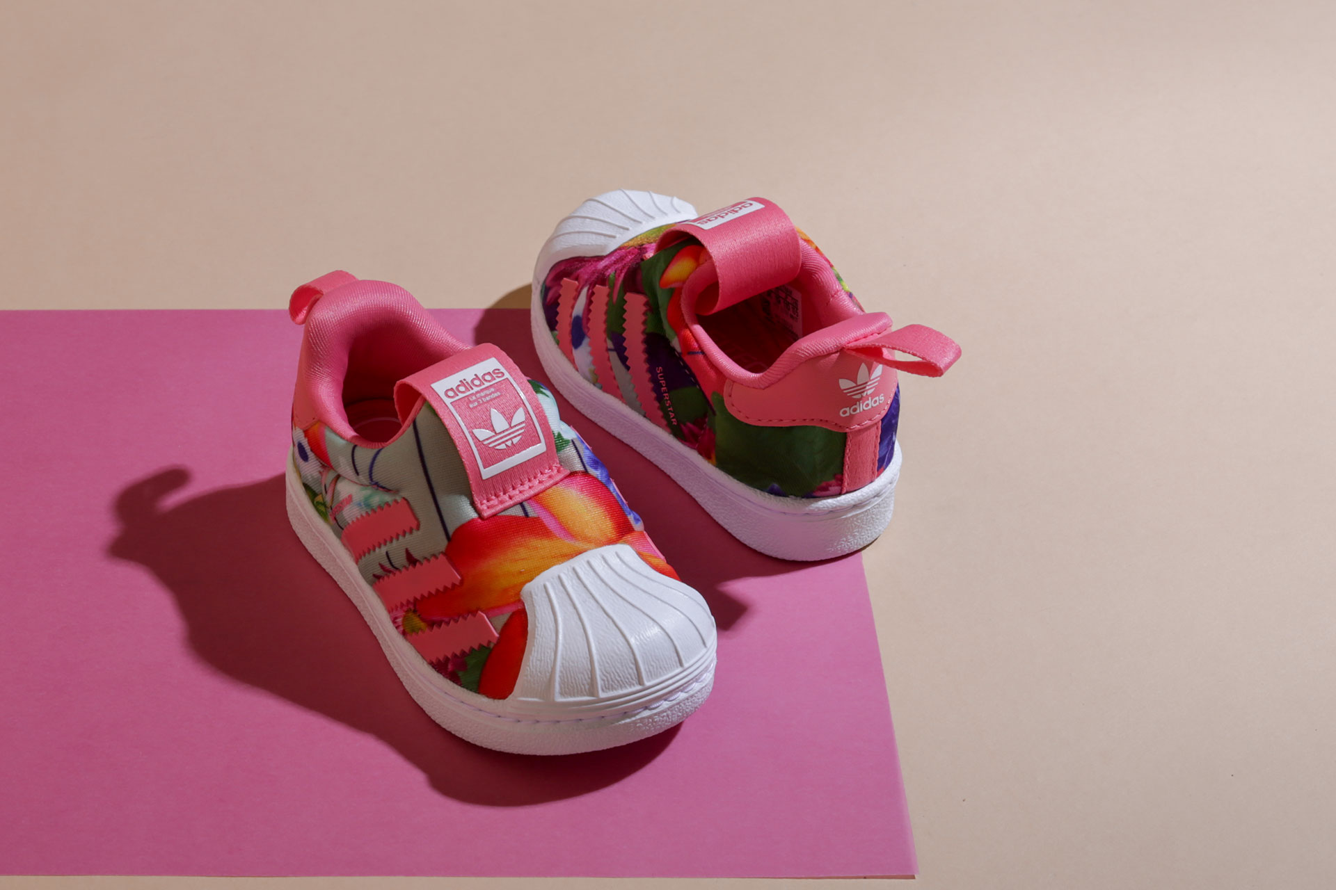 Детская обувь adidas Originals (Адидас Ориджинал) - купить по цене от 1890  рублей в интернет магазине Sneakerhead 8ad22184c09