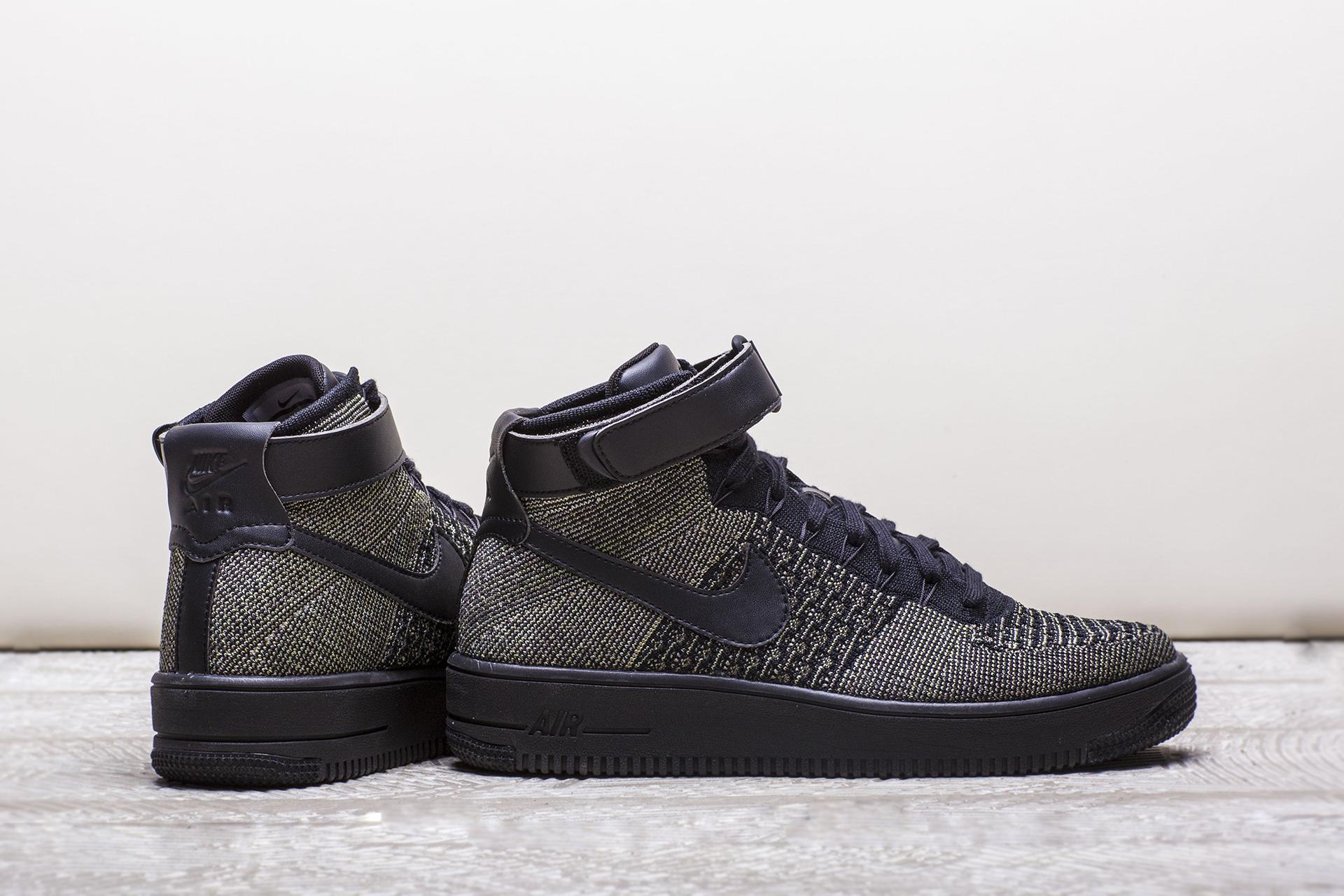 db0c74cd6d4254 ... Купить мужские чёрные кроссовки Nike Air Force 1 Ultra Flyknit Mid -  фото 2 картинки ...