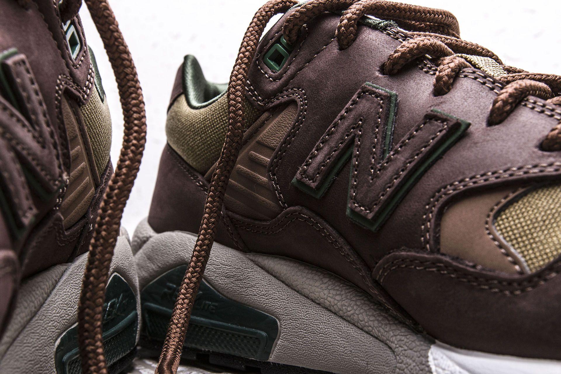 check out c5cc2 35d1f Купить коричневые мужские кроссовки 580 от New Balance ...