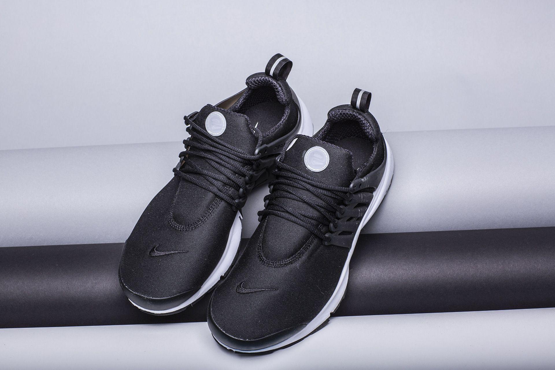 be070cc0 ... Купить мужские чёрные кроссовки Nike Air Presto Essential - фото 2  картинки ...