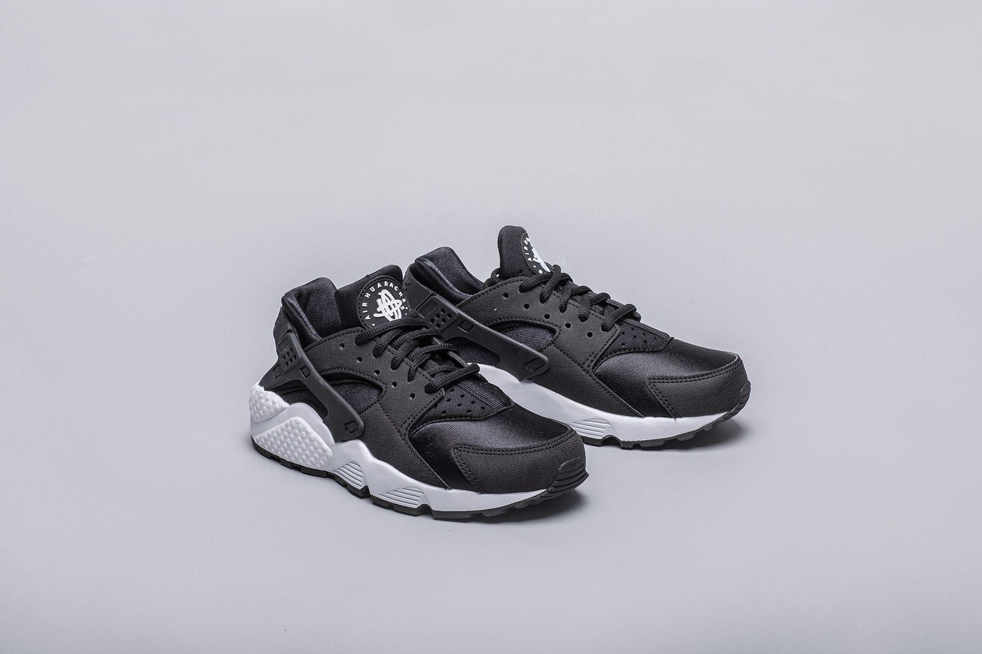 245336c5 Купить черные женские кроссовки WMNS Air Huarache Run от Nike ...