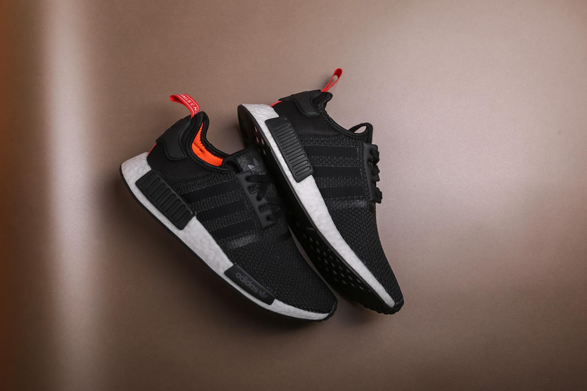 Купить черные мужские кроссовки NMD R1 от adidas Originals (B37621 ... 96ce07a07e8