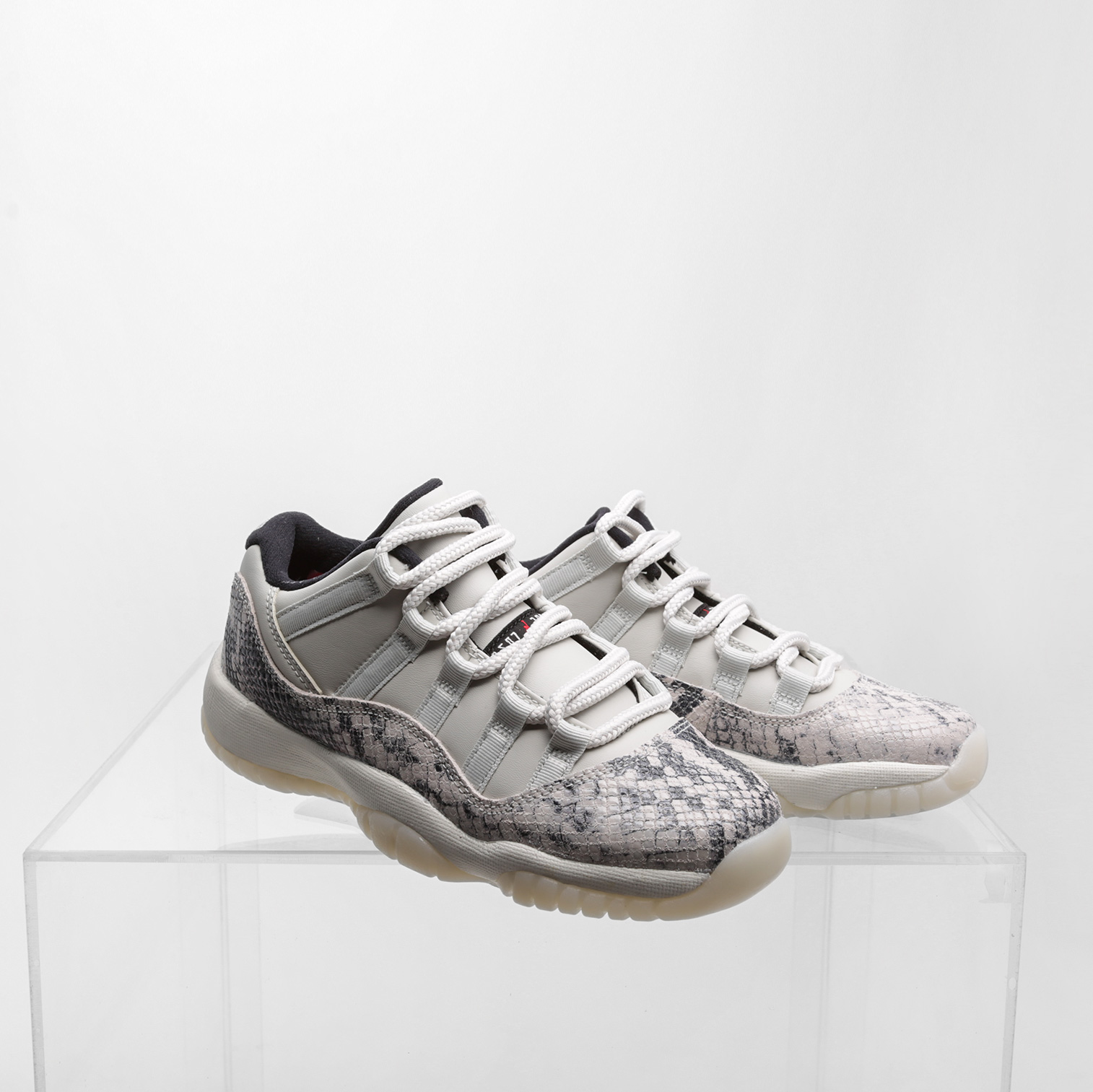 Кроссовки Jordan 11 Retro Low Le