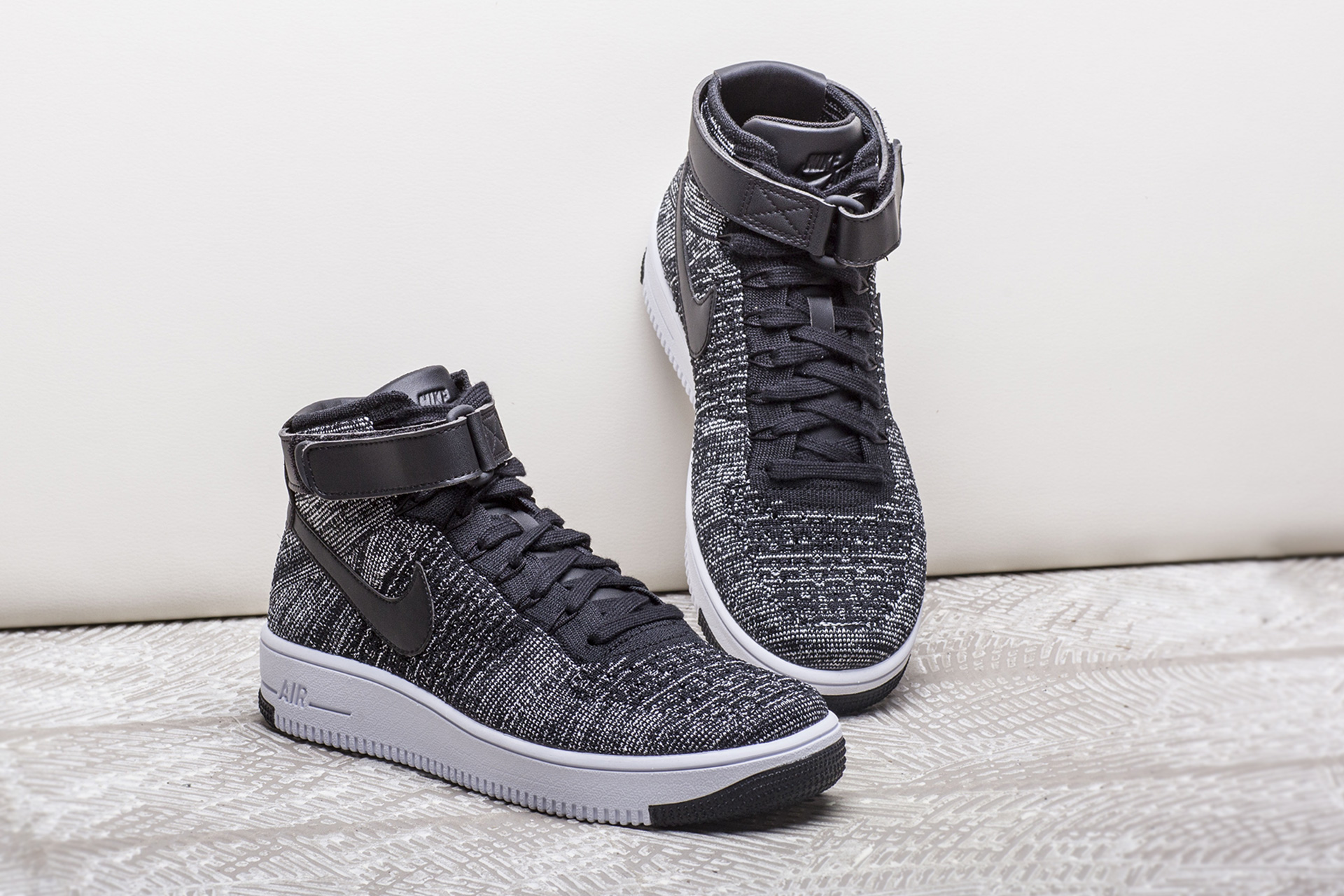 nike air force ultra flyknit mid