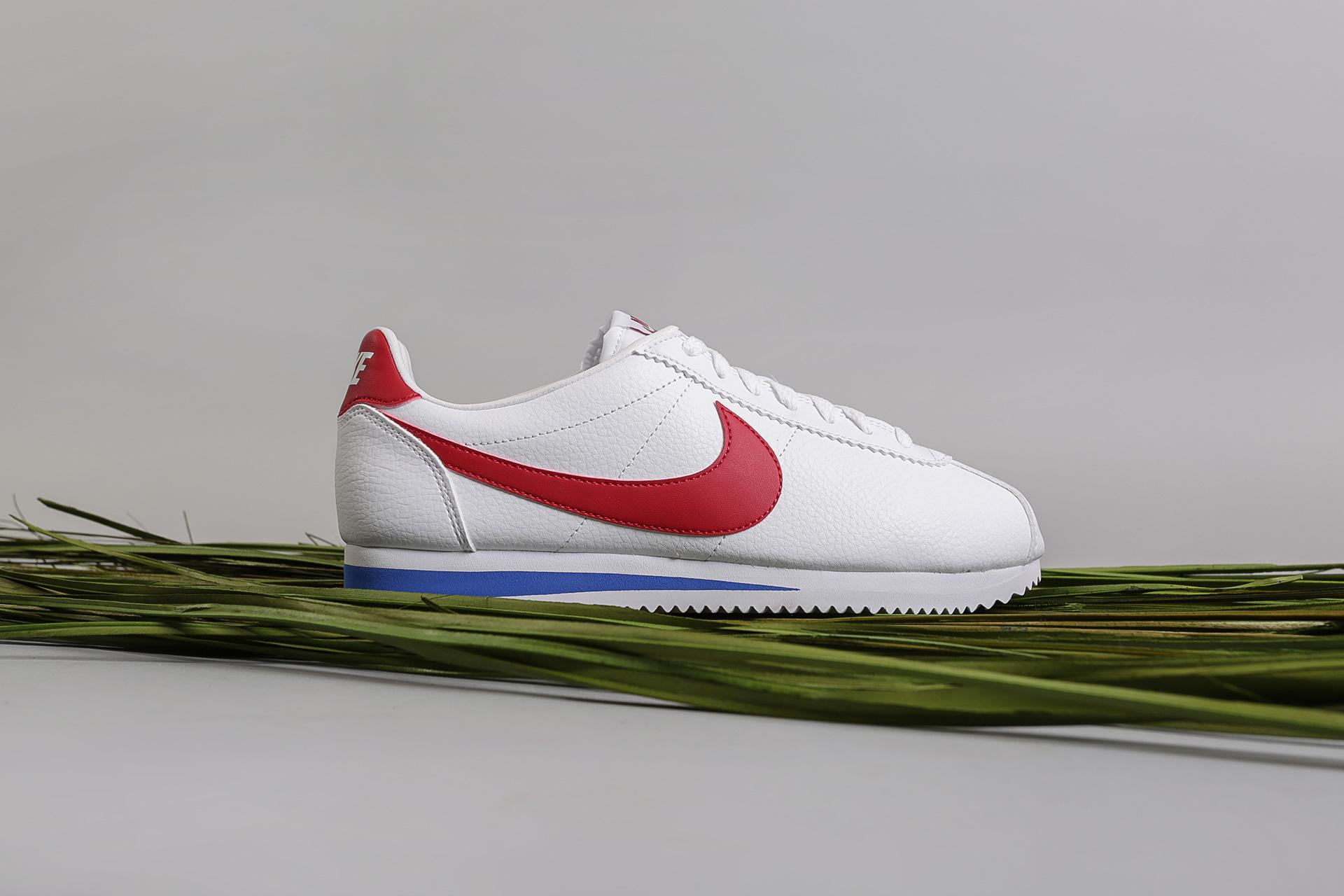 385b4aa5 Купить белые мужские кроссовки Cortez Leather от Nike (749571-154 ...