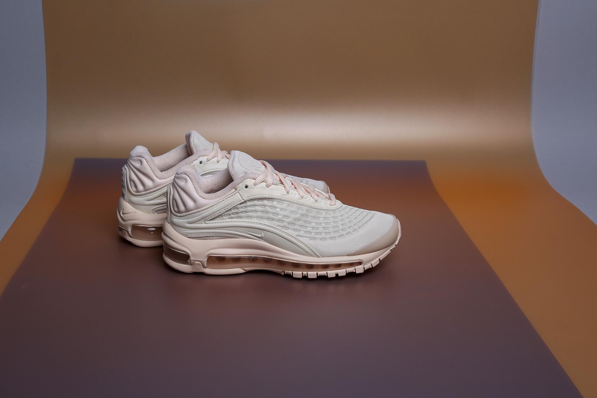 3b2c475f Купить бежевые женские кроссовки Air Max Deluxe SE от Nike (AT8692 ...