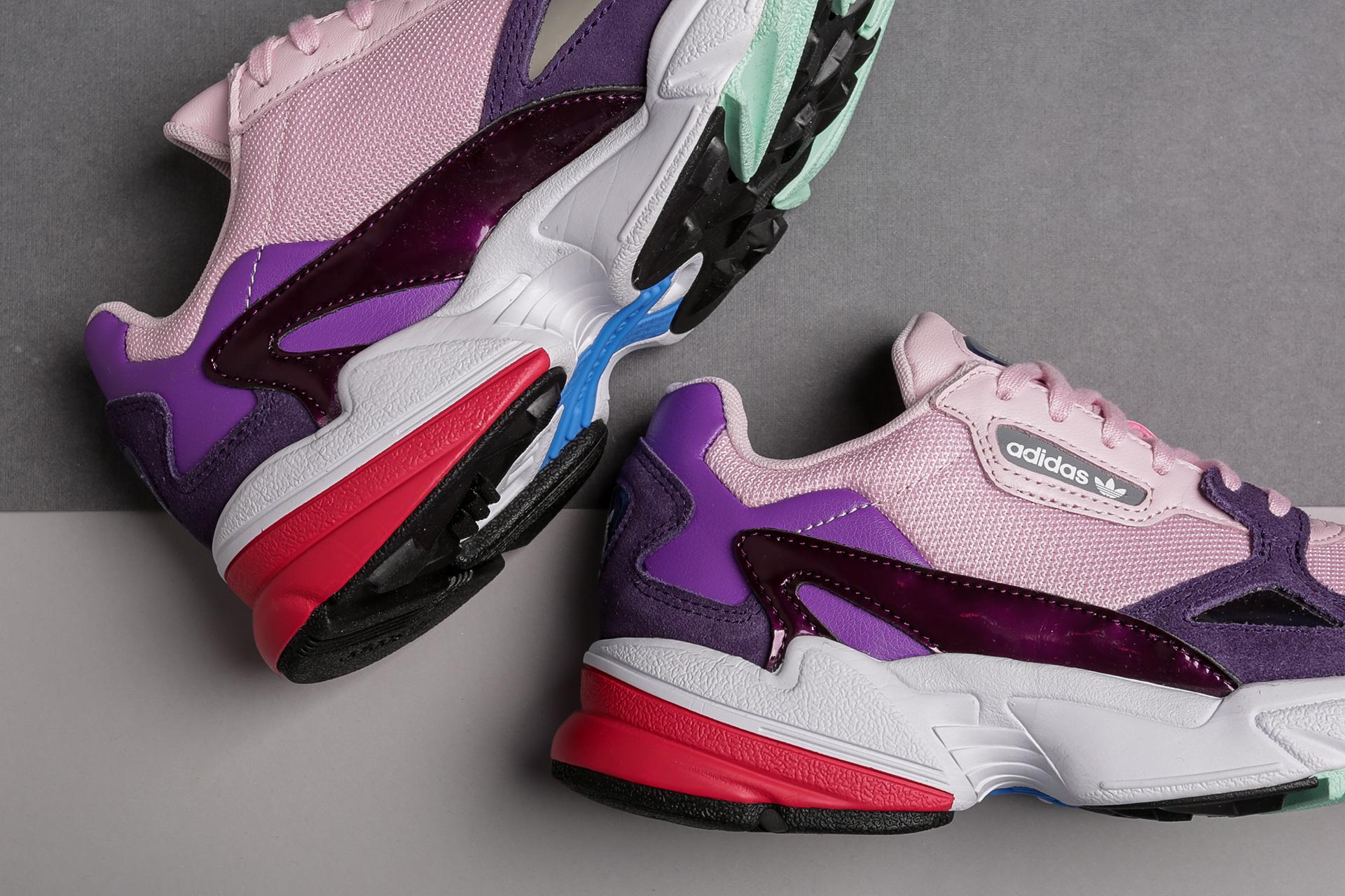 27f5d8e09cd4 Кроссовки Adidas Originals - Купить кроссовки Адидас в каталогах с ценами  Sneakerhead
