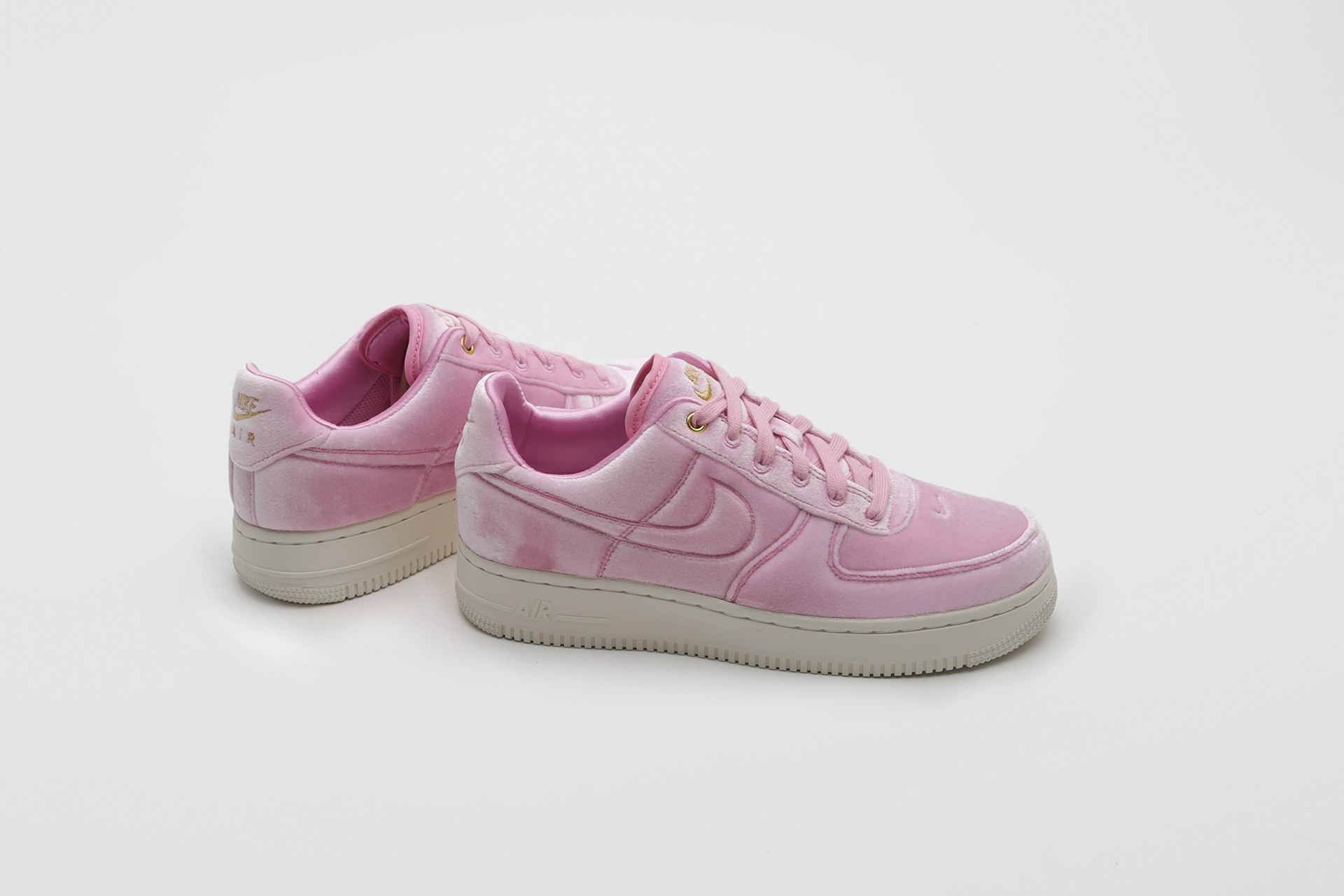 068b1bce Купить розовые кроссовки Air Force 1 '07 PRM 3 от Nike (AT4144-600 ...