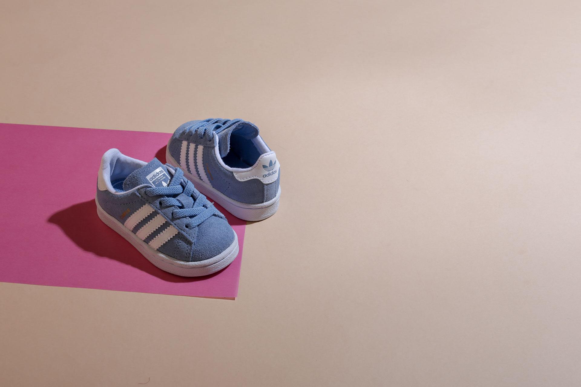 Купить детские кроссовки adidas Originals (Адидас Ориджинал) по цене от 1890  рублей в интернет магазине Sneakerhead 0180d7cdc47