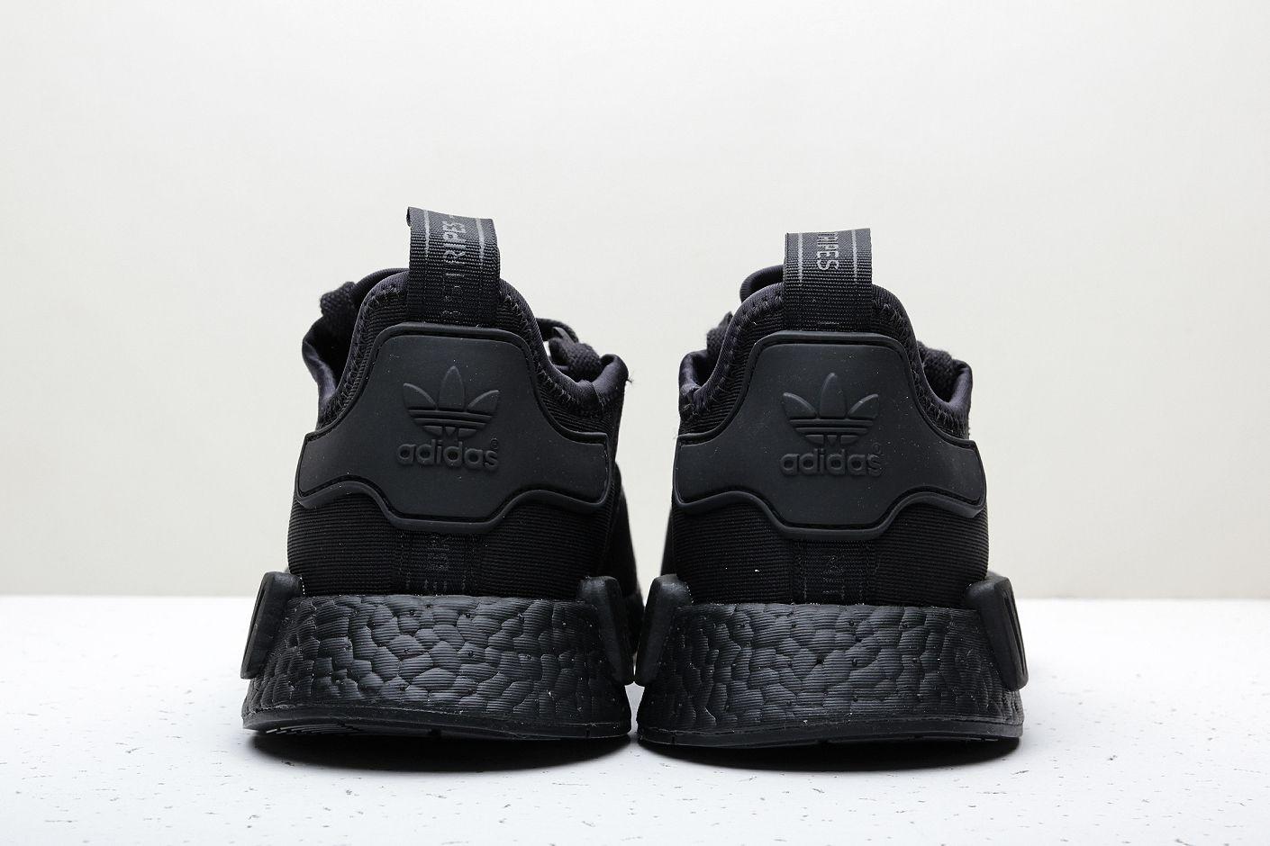 ebc6891b ... Купить мужские черные кроссовки adidas Originals NMD R1 - фото 3  картинки ...