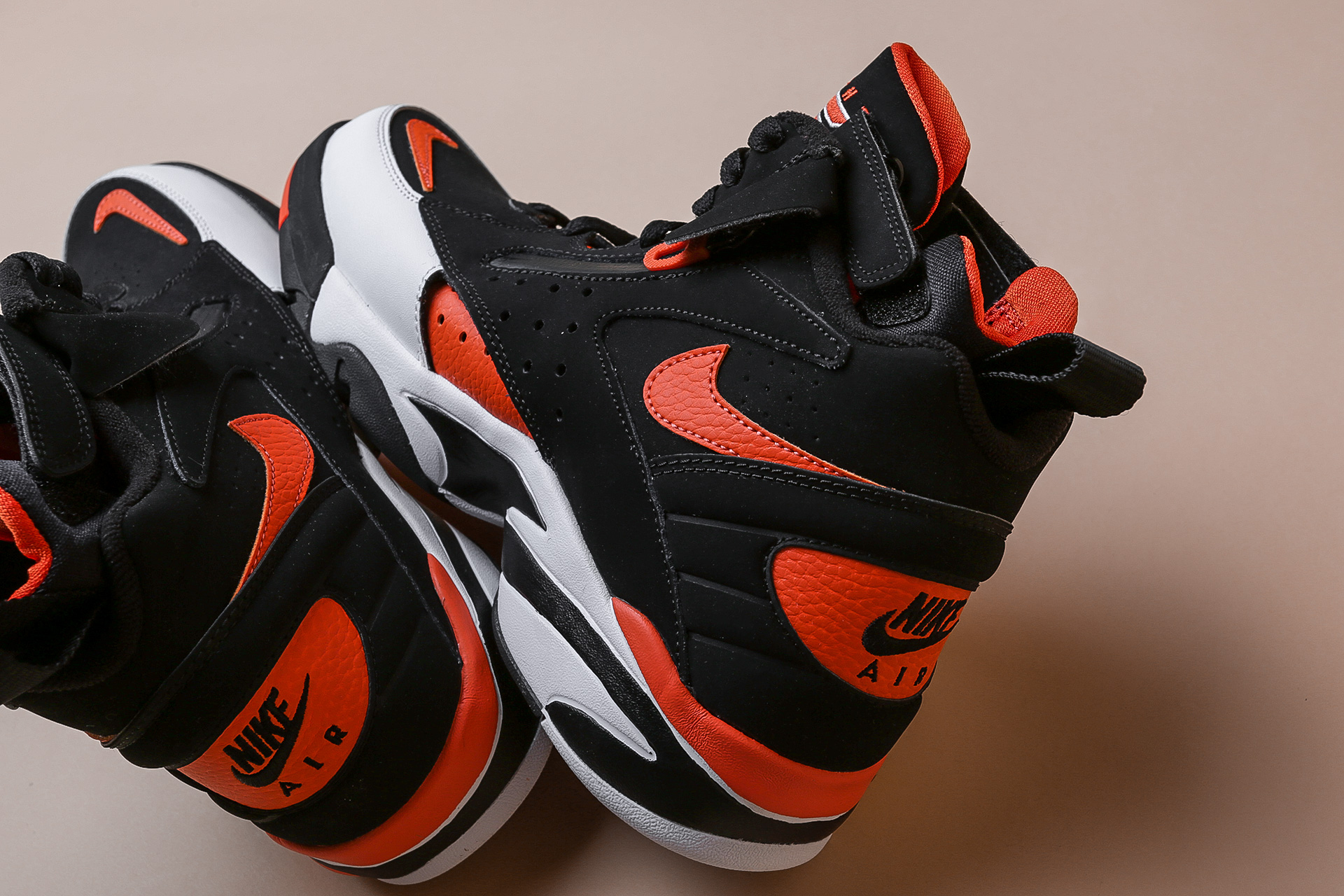eda06378 ... Купить мужские черные кроссовки Nike Air Maestro II LTD - фото 2  картинки ...