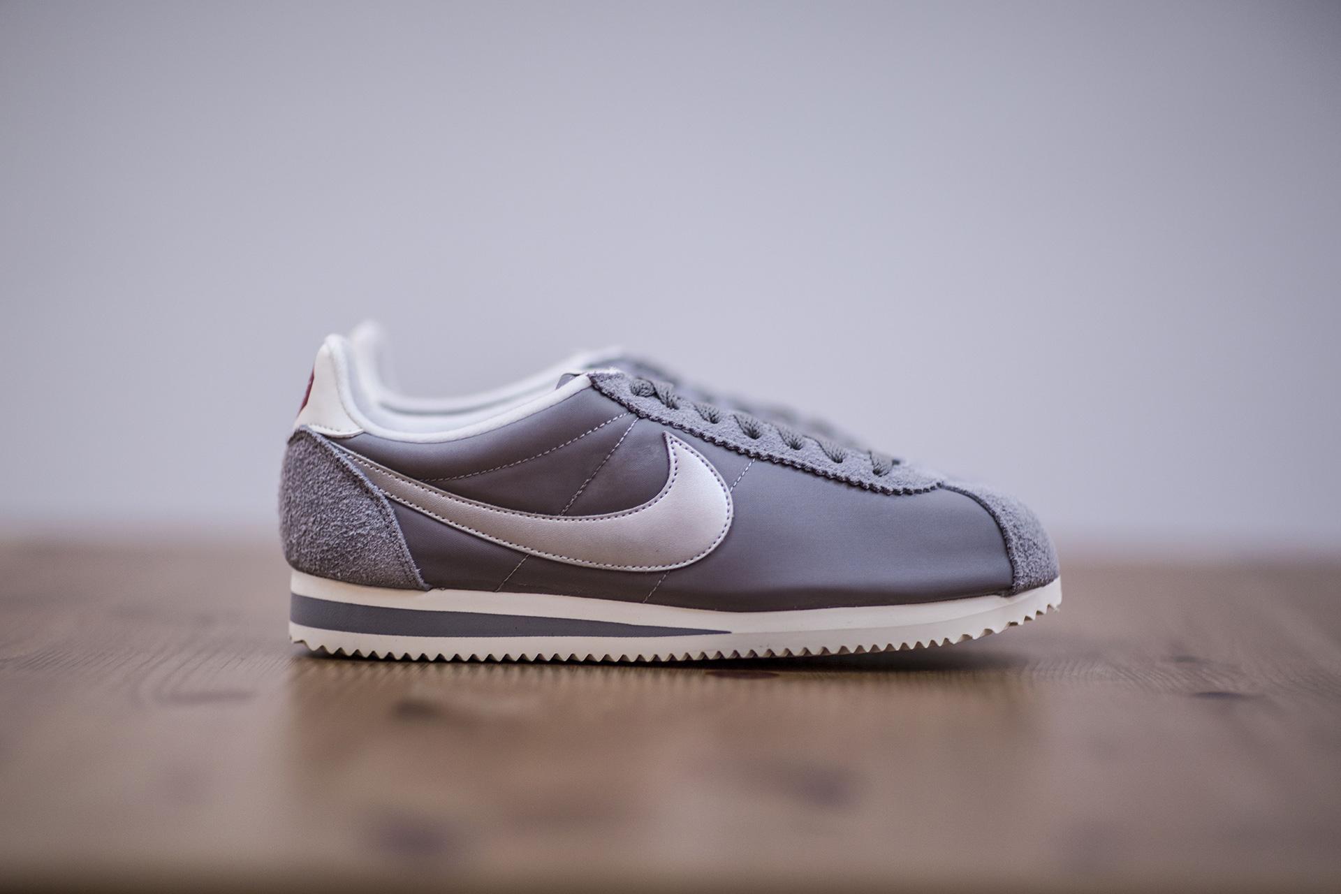 803962a3 Купить серые мужские кроссовки Classic Cortez Nylon PRM от Nike ...