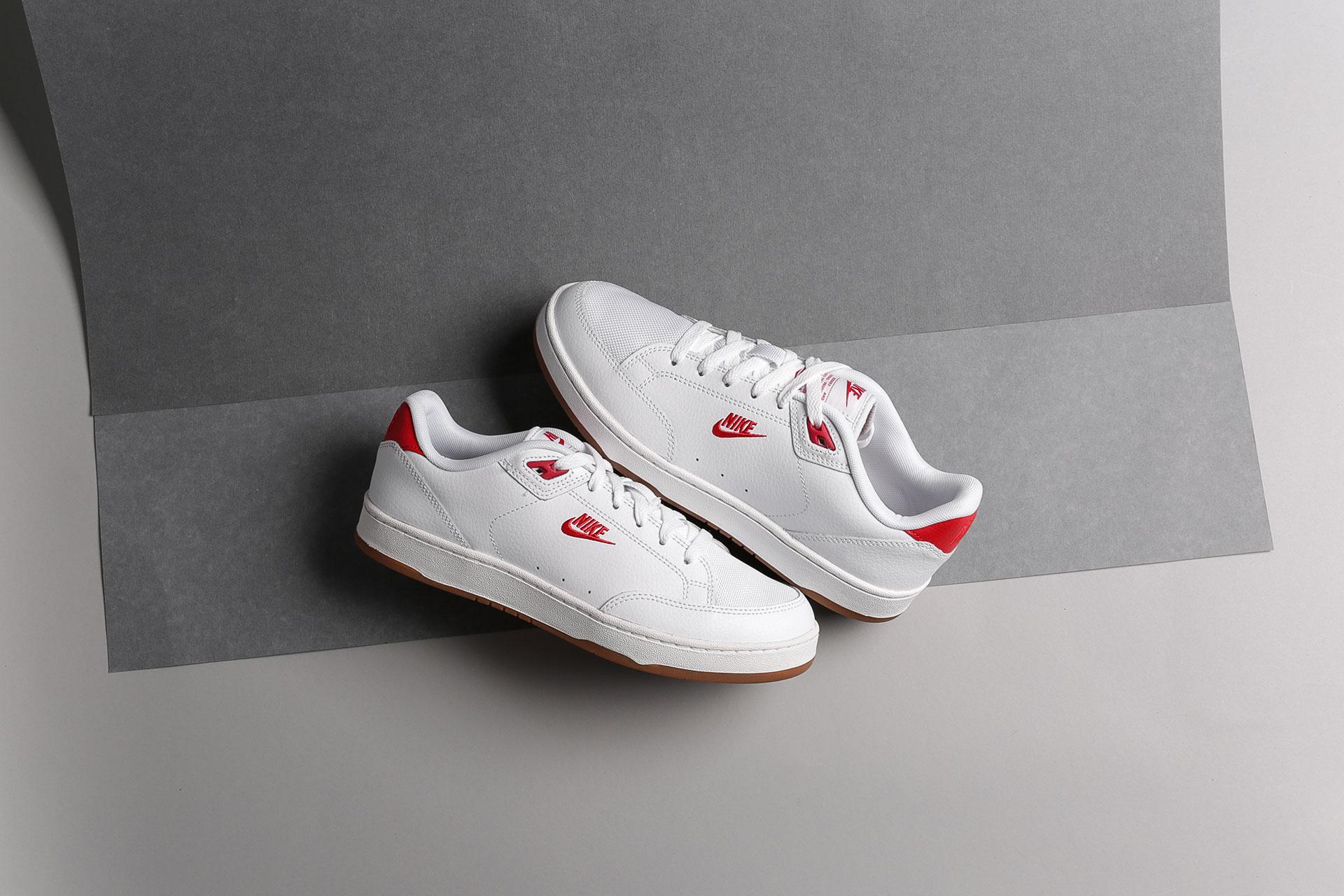 Купить белые мужские кроссовки Grandstand II Premium от Nike (AA8005 ... f17b82237f90f