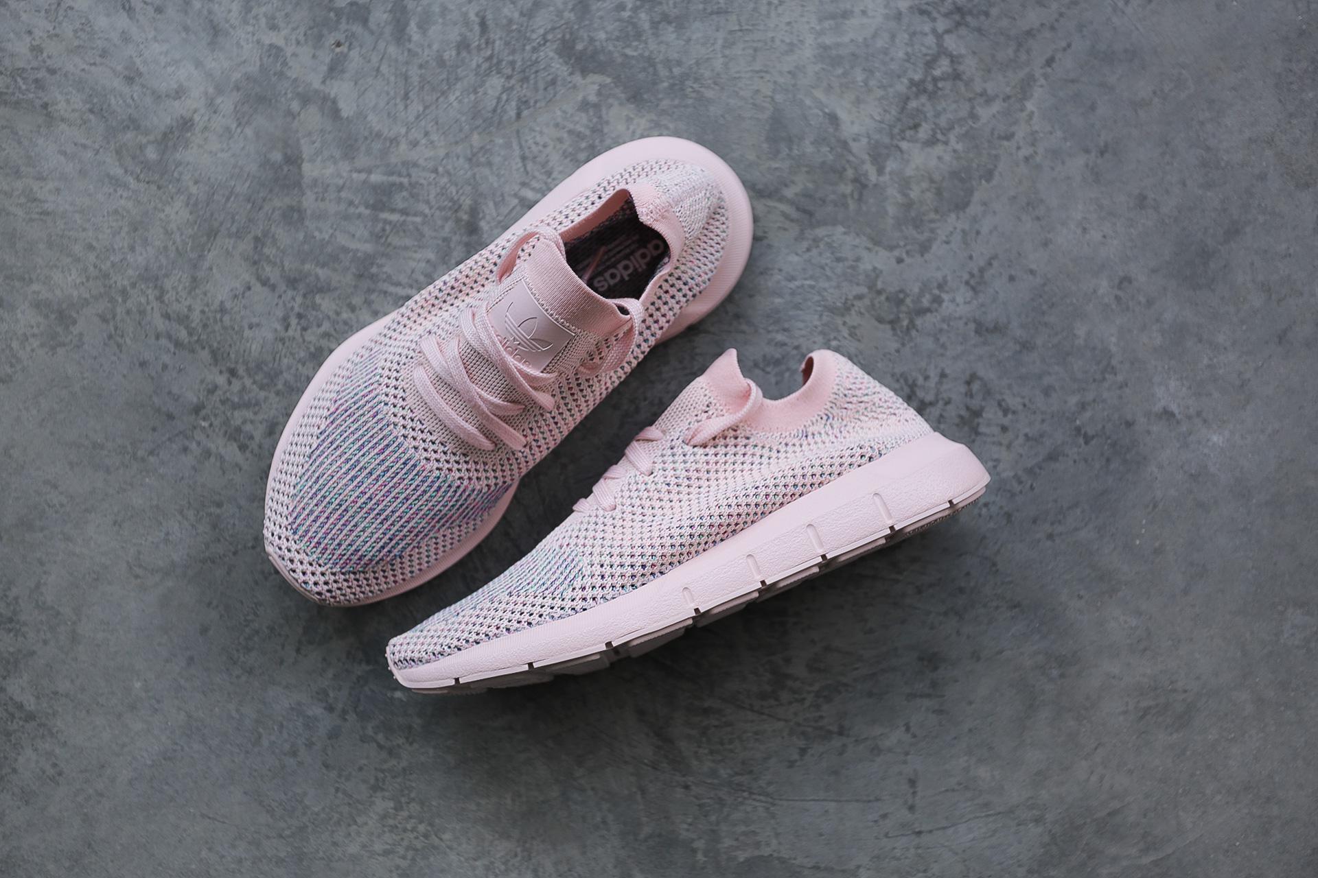 c0f8dbe10222 Купить розовые женские кроссовки Swift Run PK W от adidas Originals ...