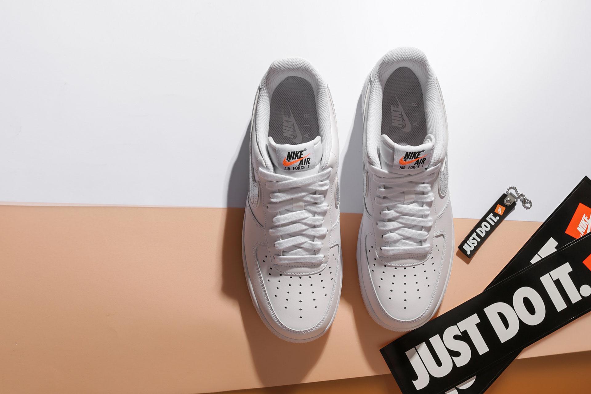 90120e0a ... Купить мужские белые кроссовки Nike Air Force 1 '07 LV8 JDI LNTC - фото  3 ...