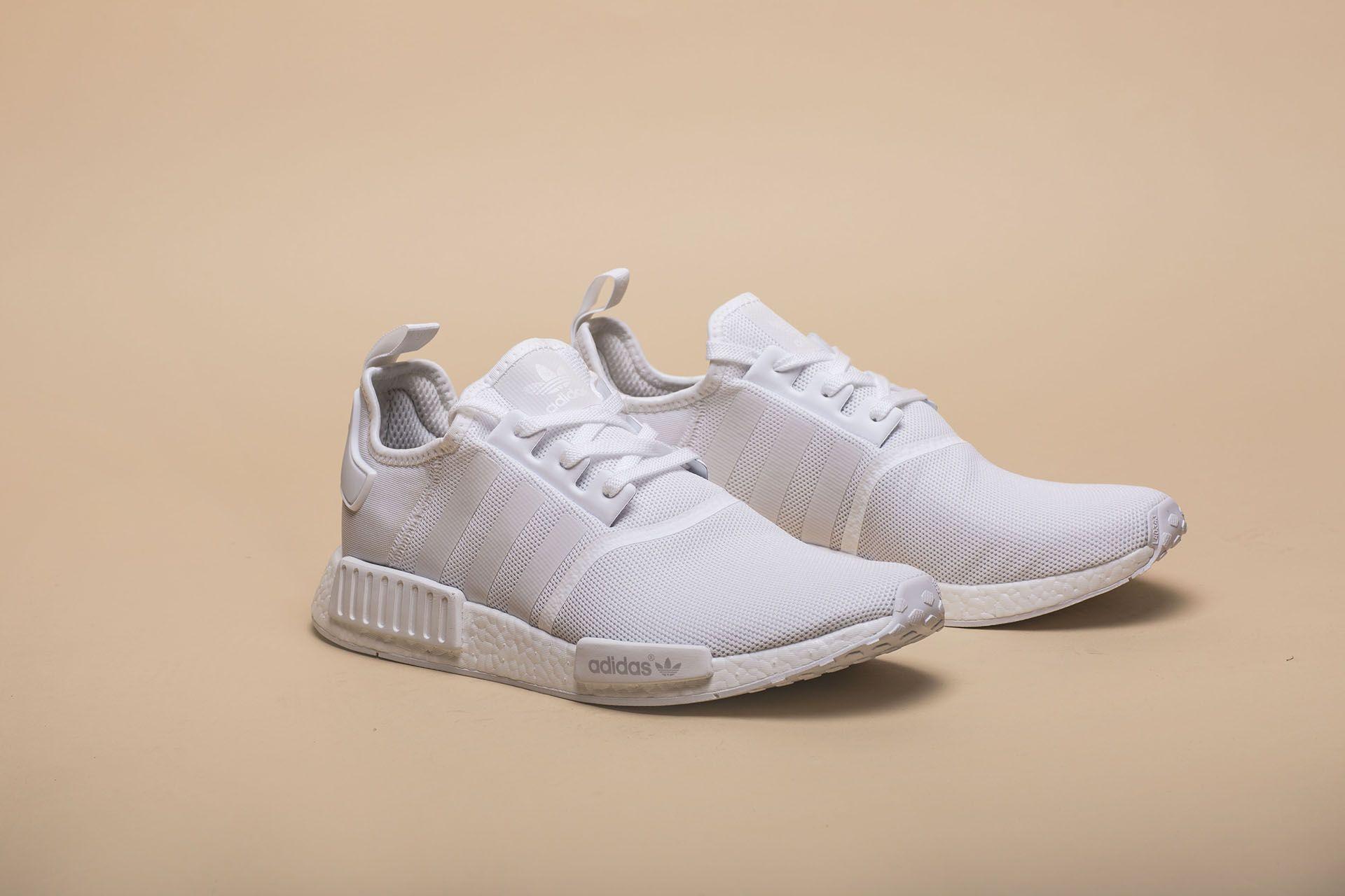 113e6d57 Купить белые мужские кроссовки NMD R1 от adidas Originals (BA7245 ...