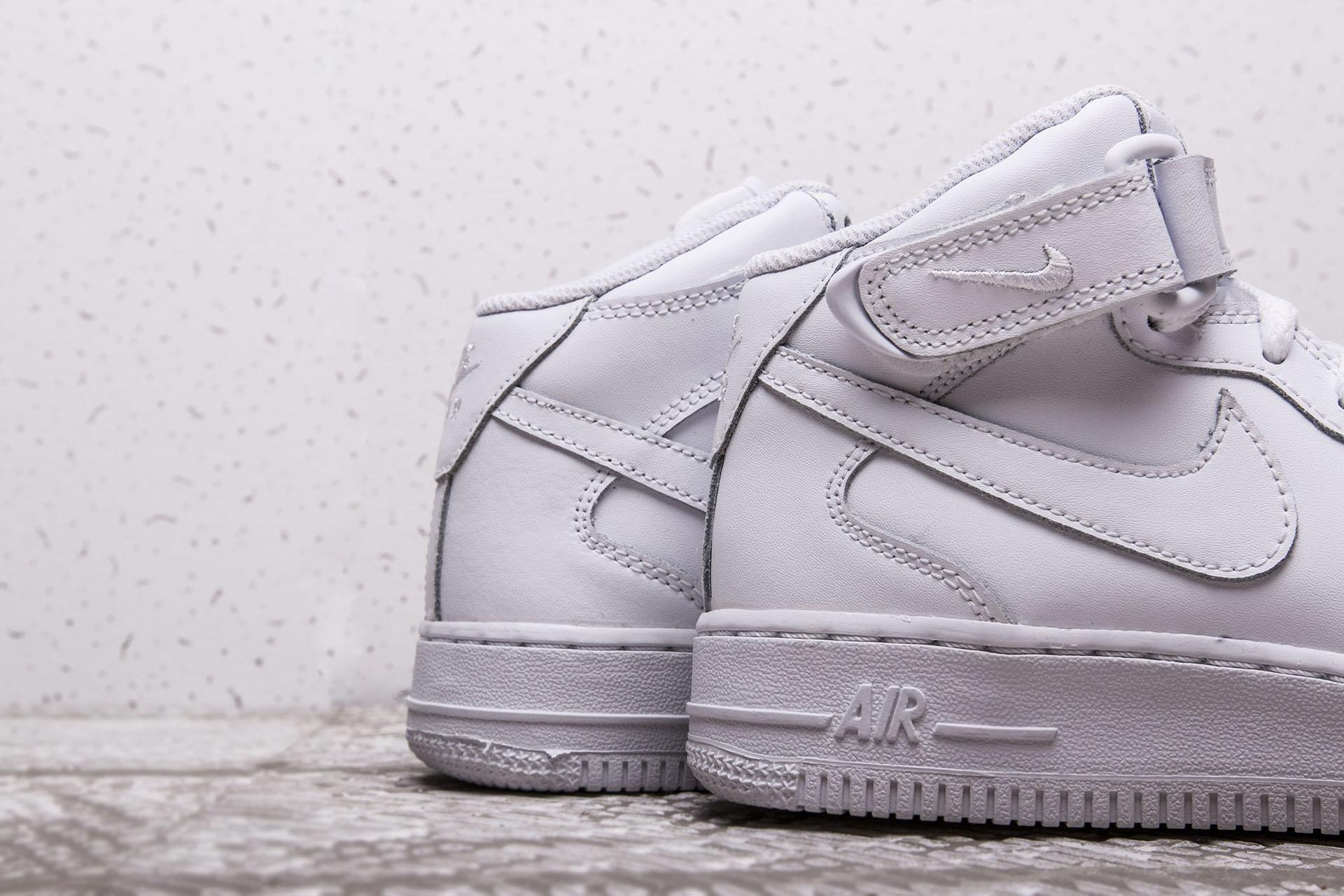 617f1731 ... Купить детские белые кроссовки Nike Air Force 1 Mid GS - фото 2  картинки ...