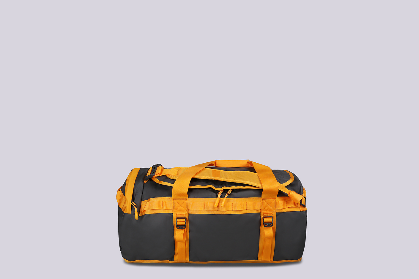 серая сумка дорожная The North Face Base Camp Duffel - M 71L